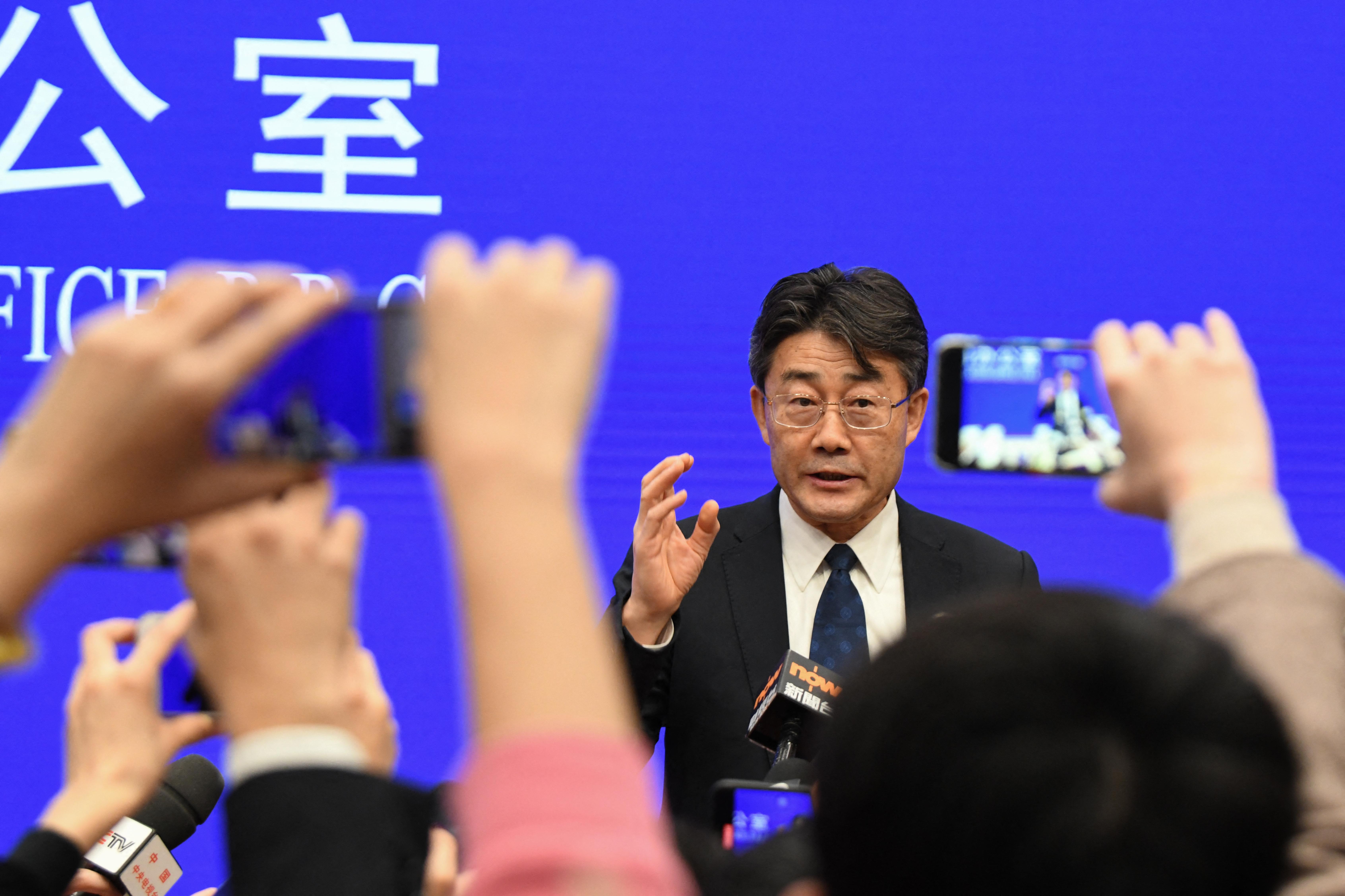 A kínai járványügyi vezető szerint kiforgatták a szavait, amikor a vakcinák hatékonyságáról beszélt