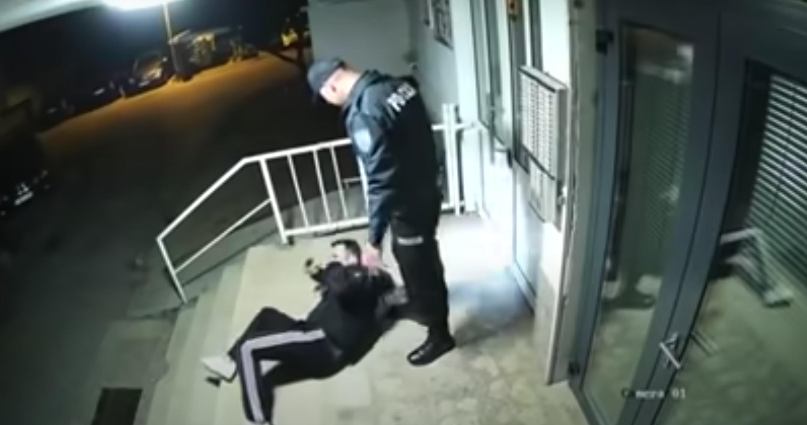 Bosznia-Hercegovinában megvertek a rendőrök egy férfit, mert megszegte a kijárási tilalmat