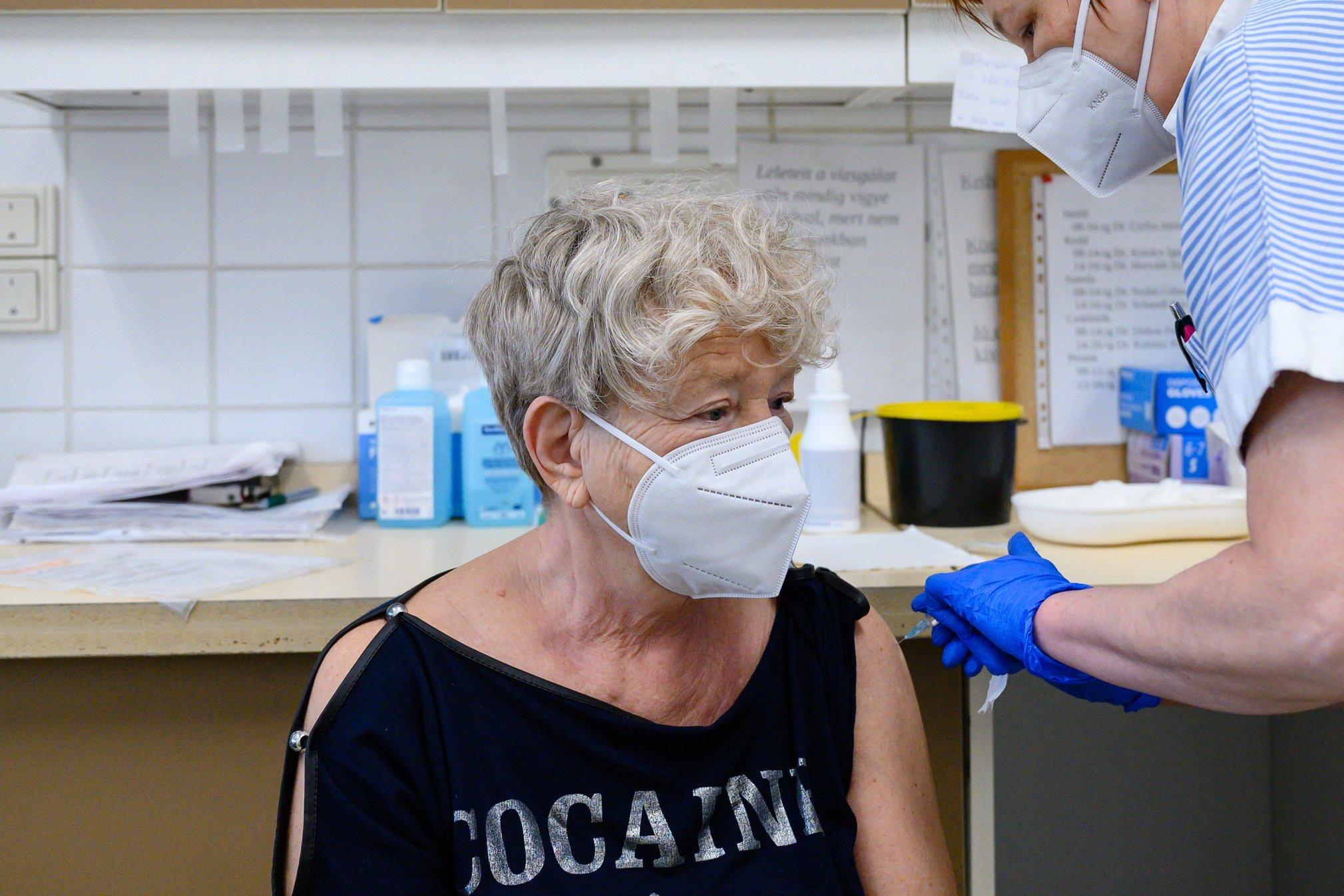 Küldje el nekünk a laboratóriumi teszteredményét, ha megnézette, hogy az oltás beindította-e az immunválaszt
