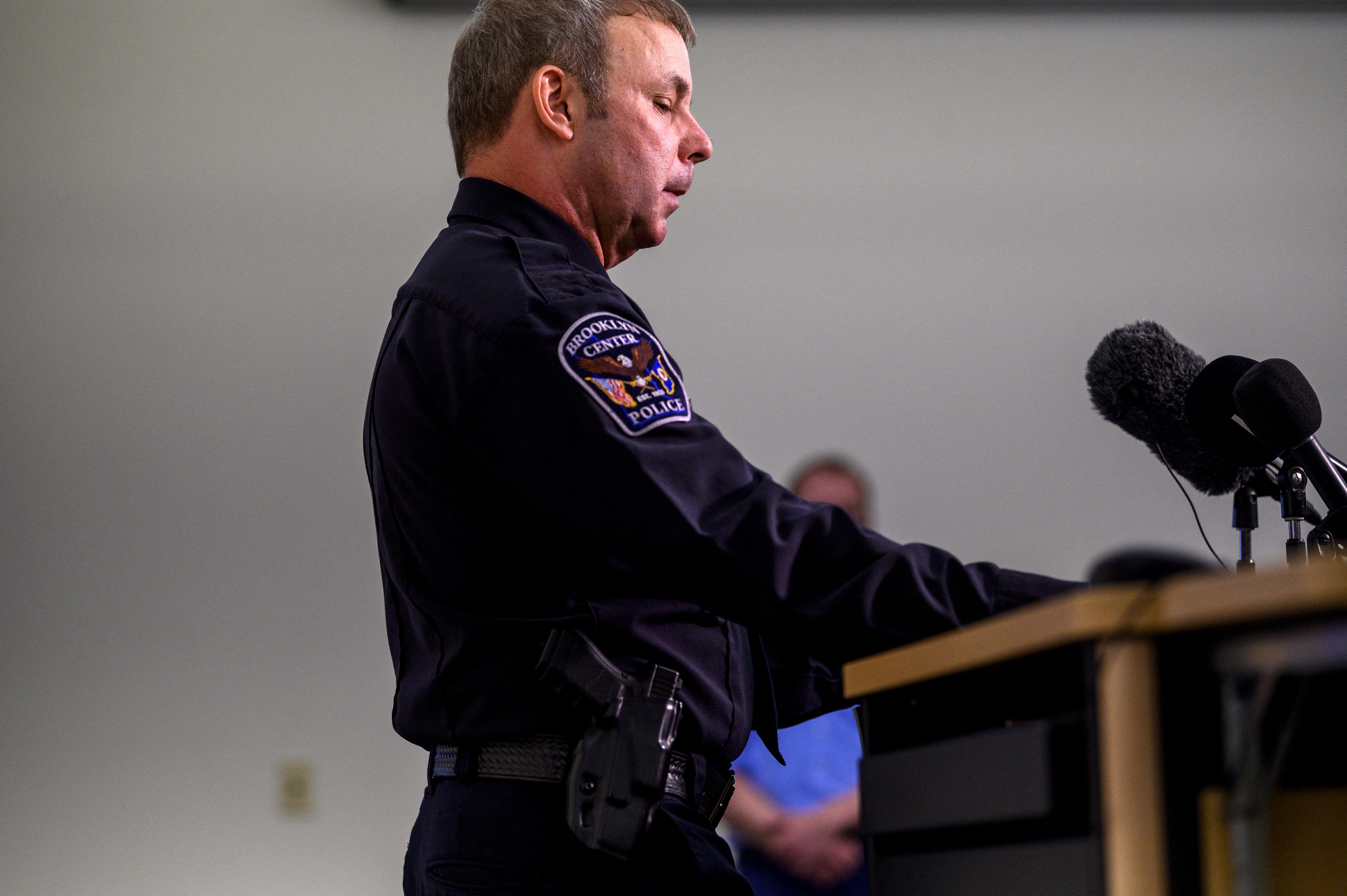 Lemondott Minnesotában a rendőrkapitány és a rendőr is, aki vasárnap lelőtt egy fekete férfit