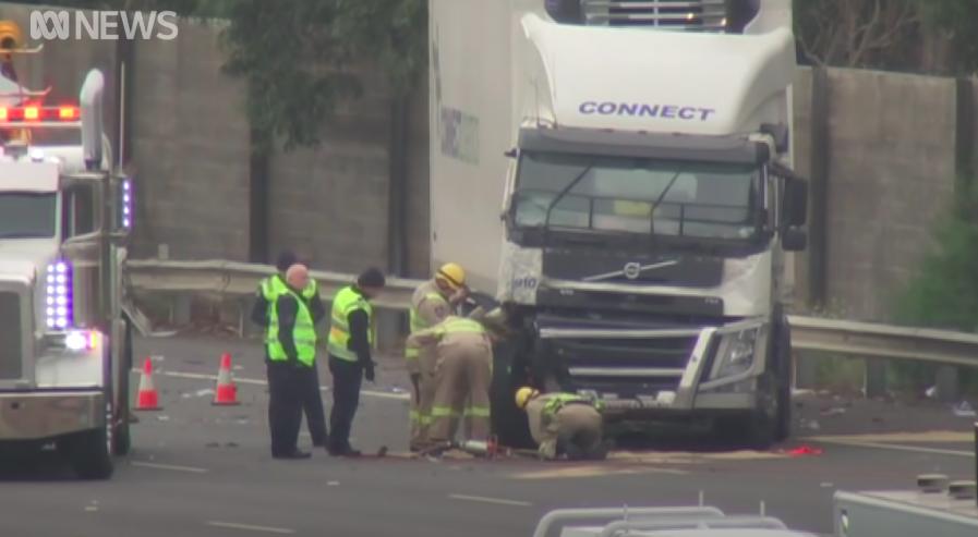 Huszonkét év börtönt kapott a teherautó-sofőr, aki elgázolt 4 rendőrt Ausztráliában