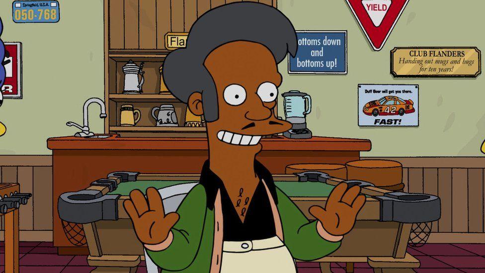 Hank Azaria színész minden indiaitól bocsánatot kért, amiért 20 évig ő volt Apu hangja a Simpson családban