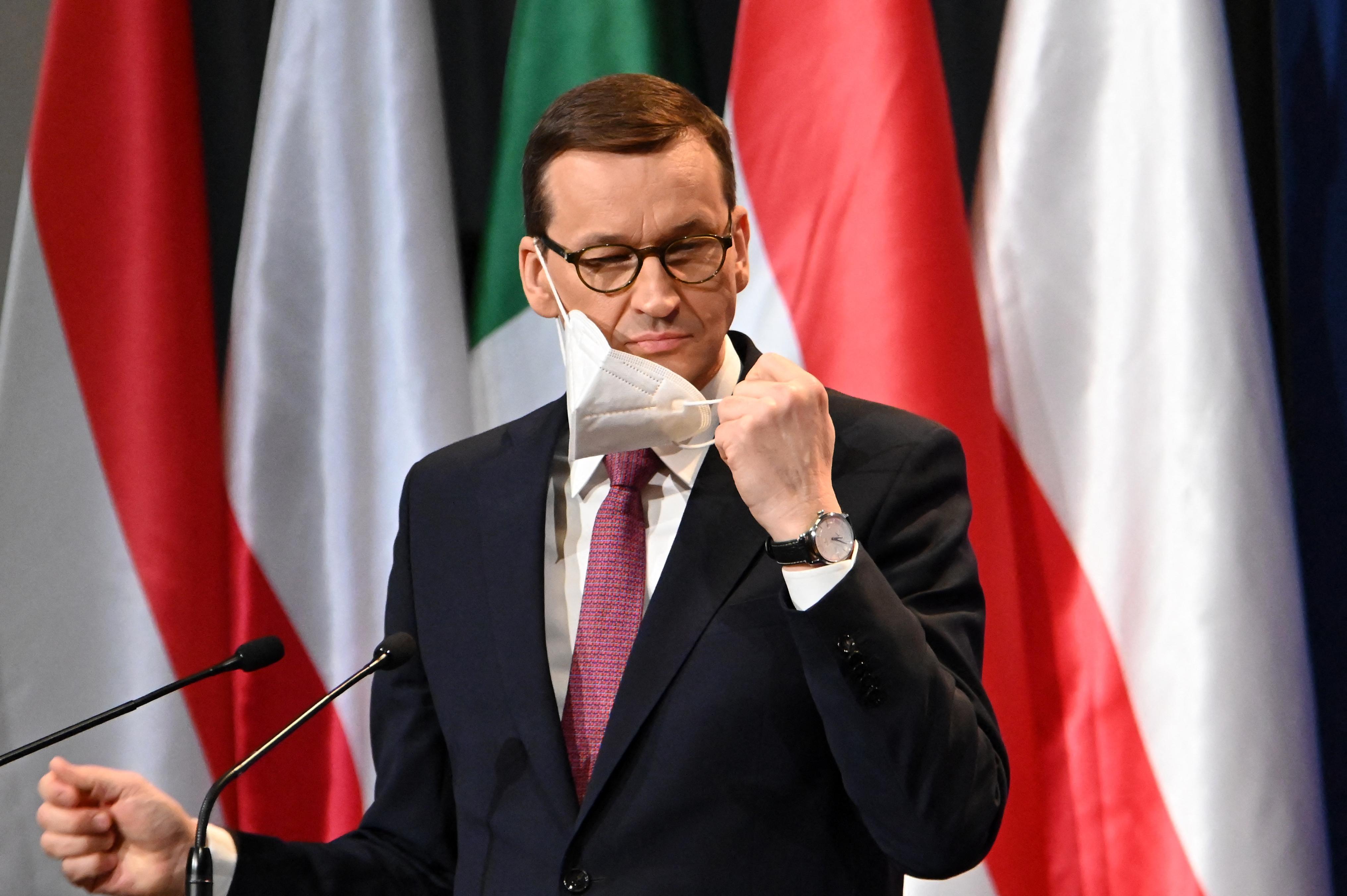 Lengyelország kiutasított három orosz diplomatát