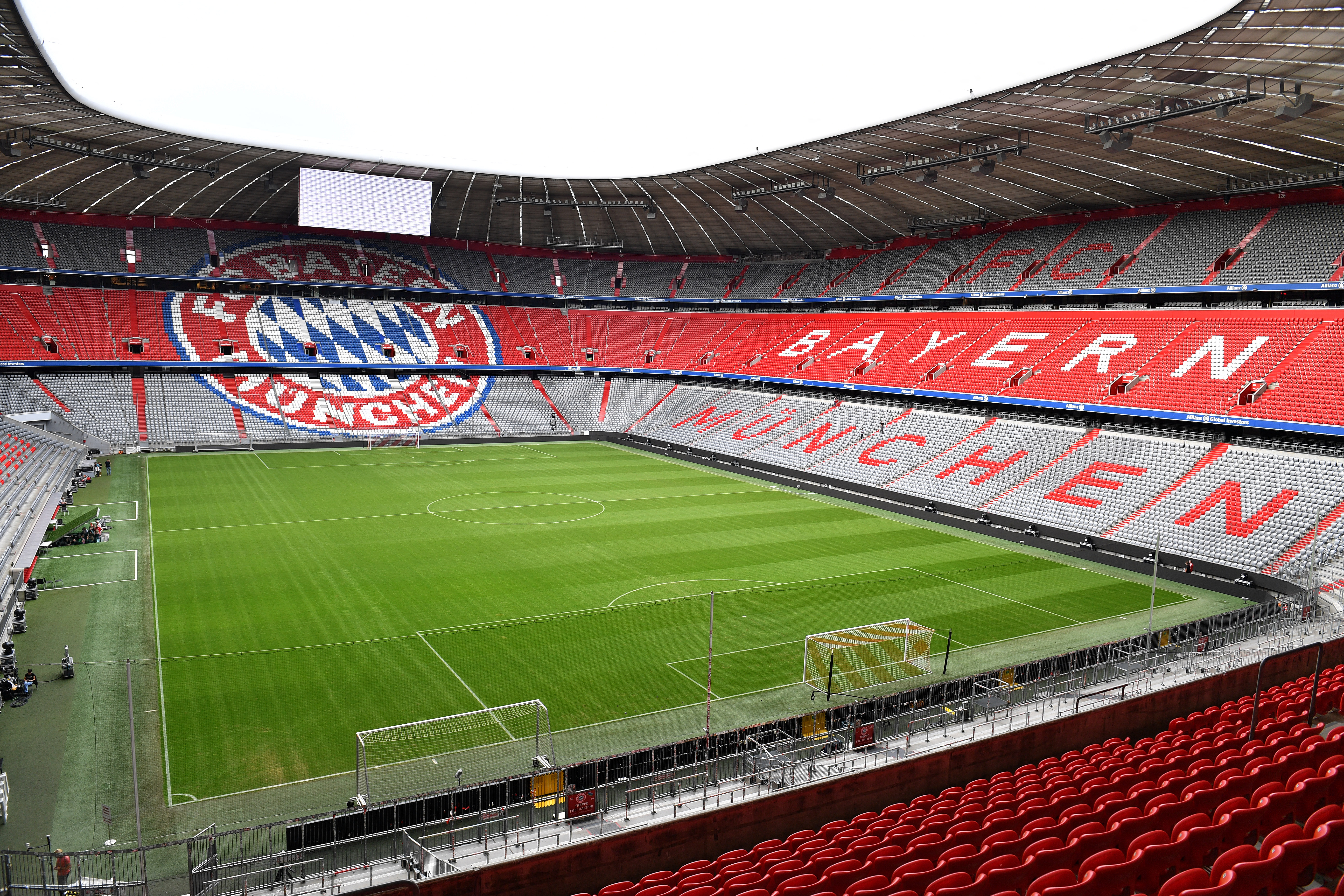 A hétvégéig el kell dönteni, hány nézőt engednek be az EB-meccsekre Münchenben, Bilbaóban és Dublinban