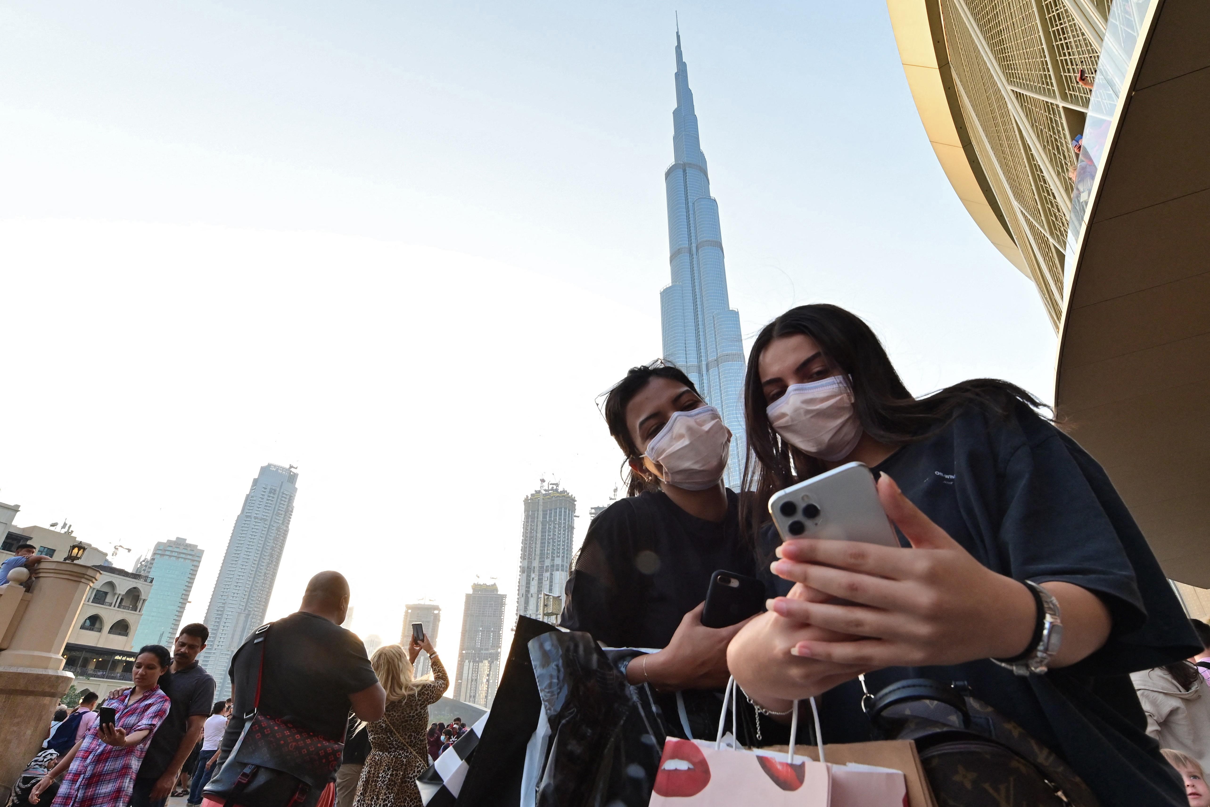 A járvány alatt sem hagyták magára Dubajt az influenszerek, akik azonban idővel átszokhatnak Szaúd-Arábiába