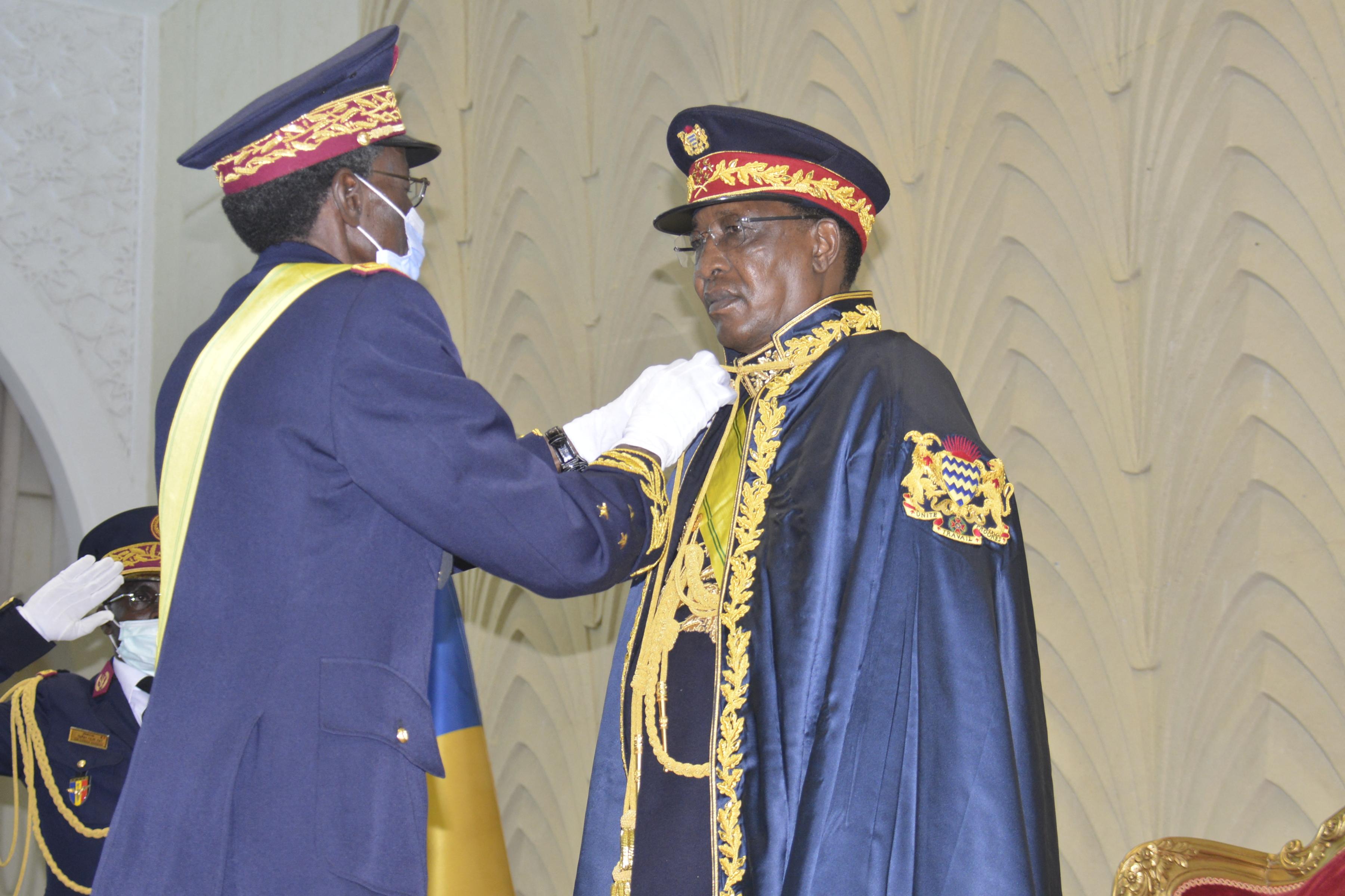 A lázadókkal vívott harcban halt meg Csád elnöke, állítja a hadsereg