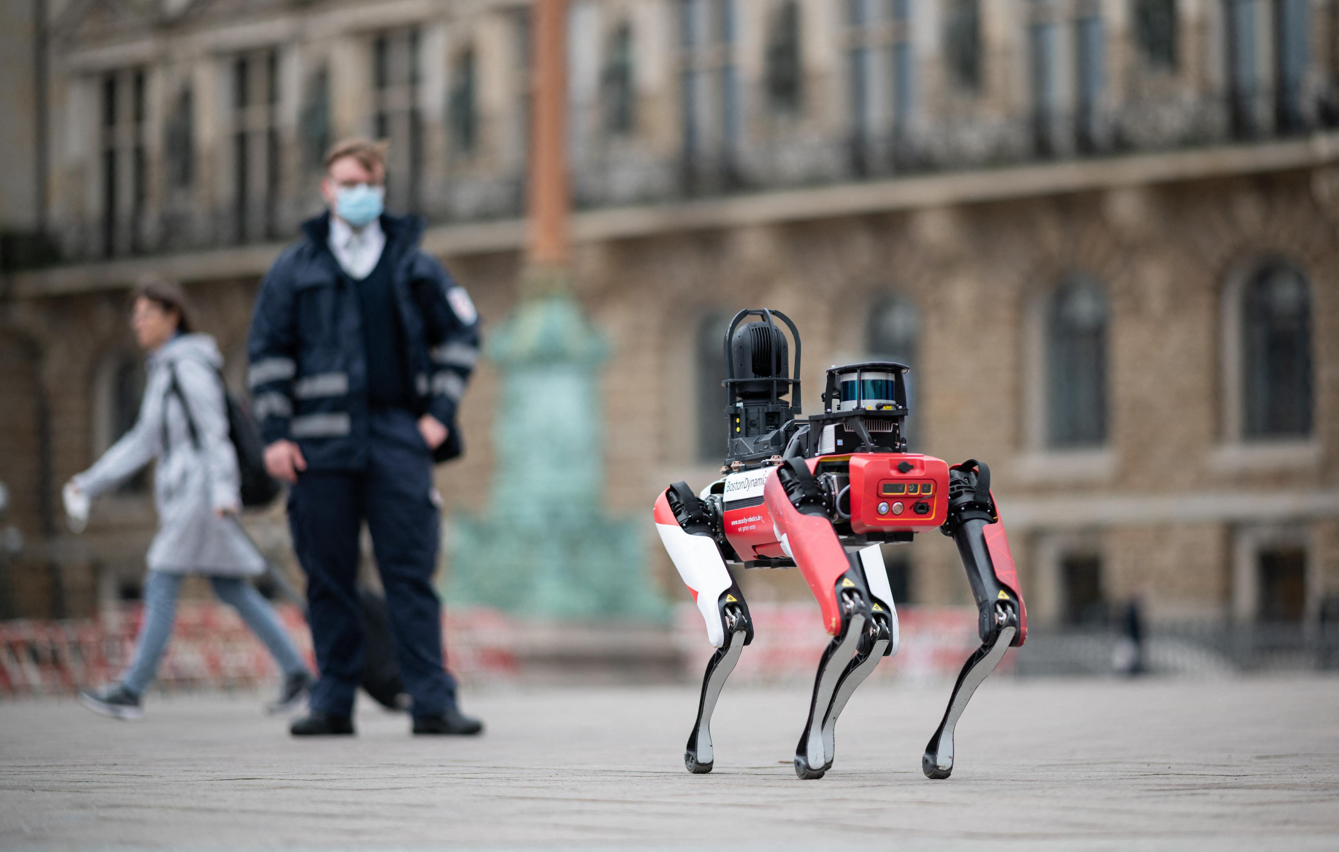 A New York-i rendőrség robotkutyájának alkotója a szaúdi koronaherceg tanácsadója is volt