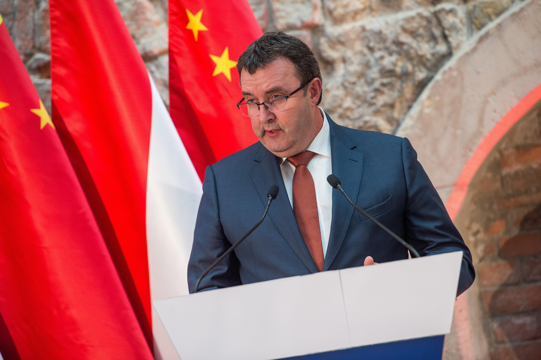 Behívta Palkovicsot a Nemzetbiztonsági bizottság a kínai egyetem miatt