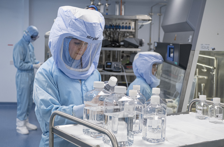 Influenszereknek fizetett volna egy orosz kötődésű PR-cég a Pfizer lejáratásáért