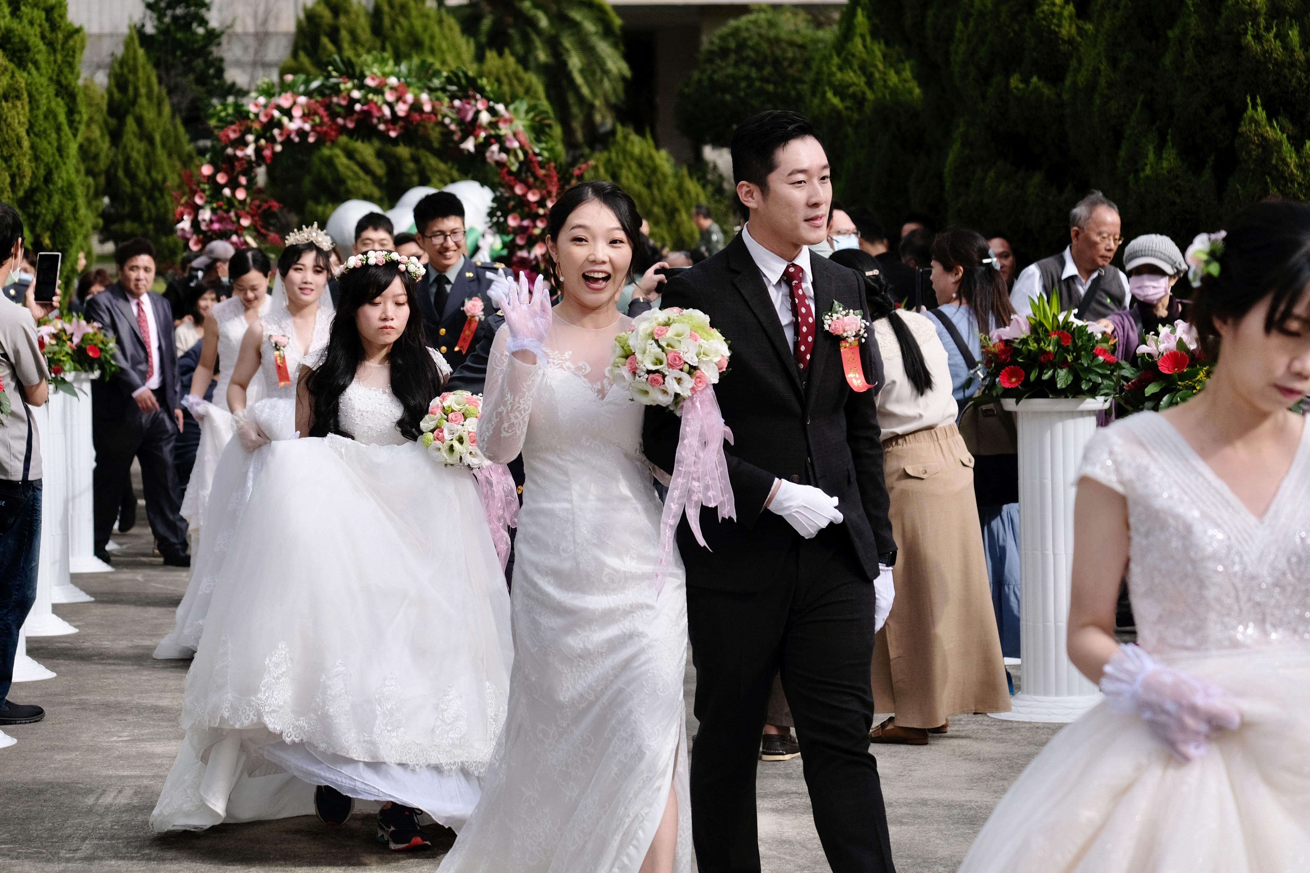 Egy tajvani pár 37 nap alatt négyszer házasodott össze, és háromszor vált el, hogy extra nászutas szabadságot kapjanak