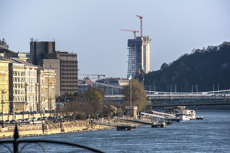 A kormány elvenné a Fővárostól a toronyházak szabályozását
