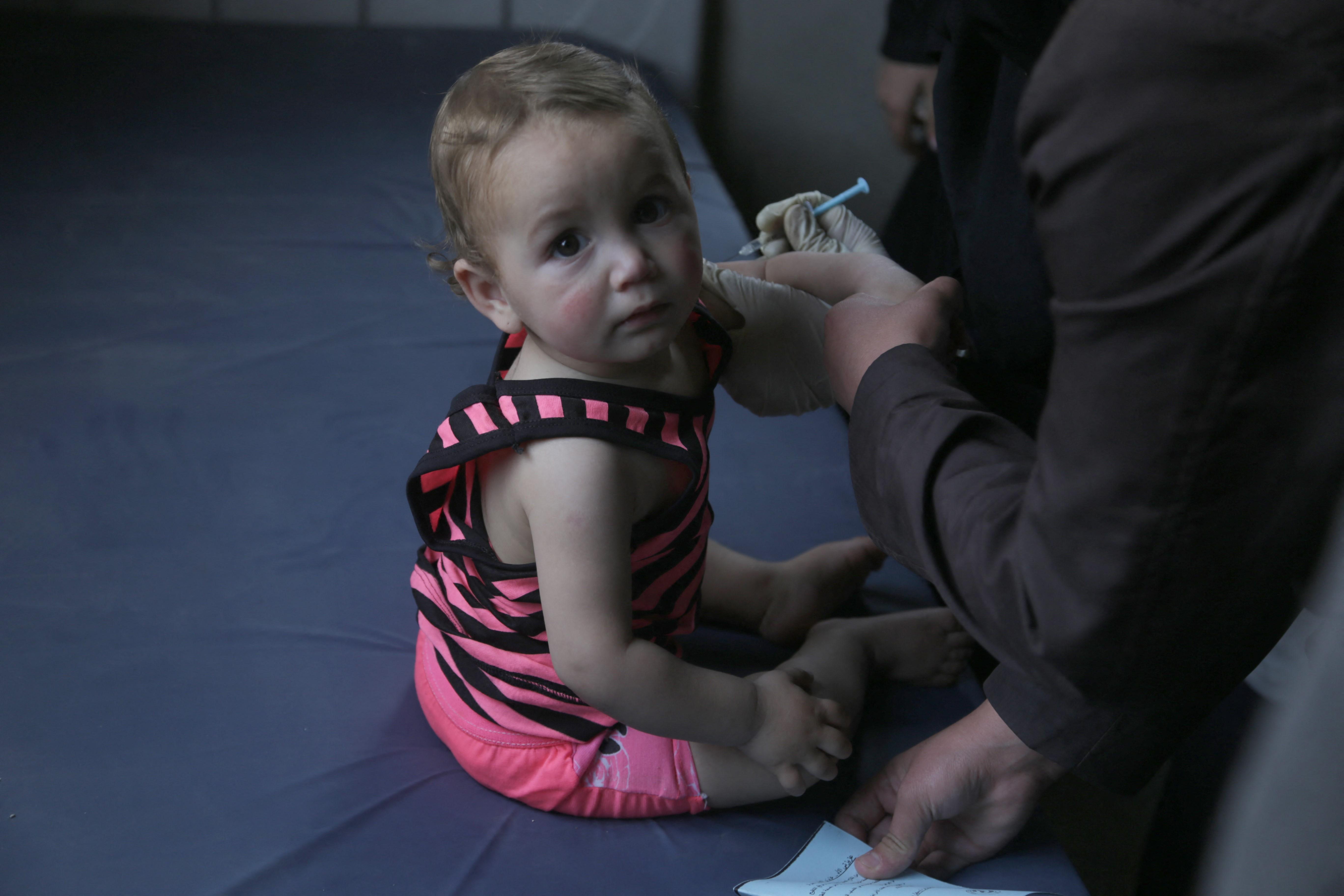 Gyermekeknek is adható koronavírus-vakcinát tesztel a Sinopharm leányvállalata