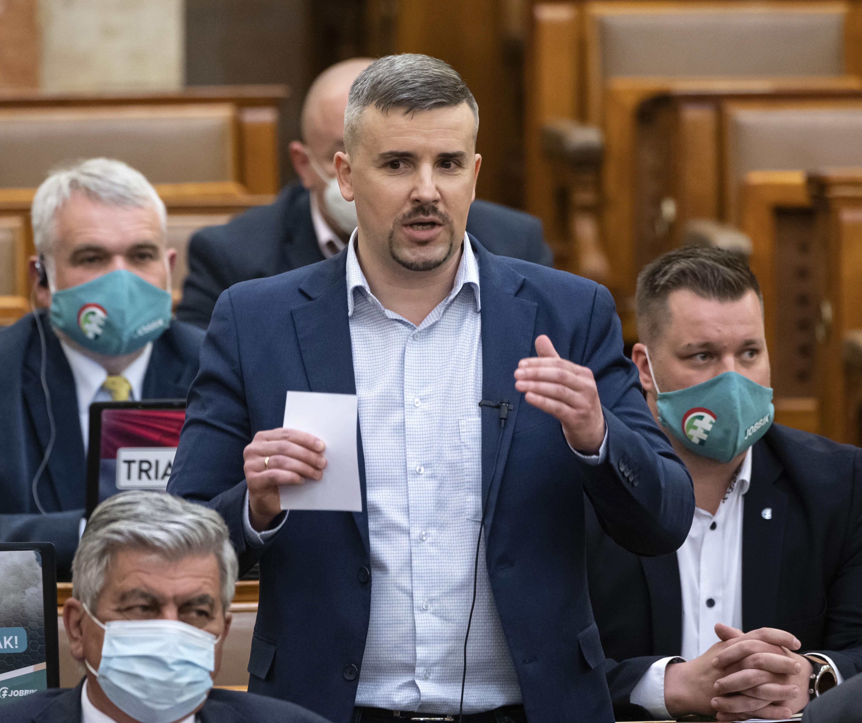 Jakab Péter arról beszélt a parlamentben, hogy Orbán Viktort megerőszakolhatják majd a börtönben