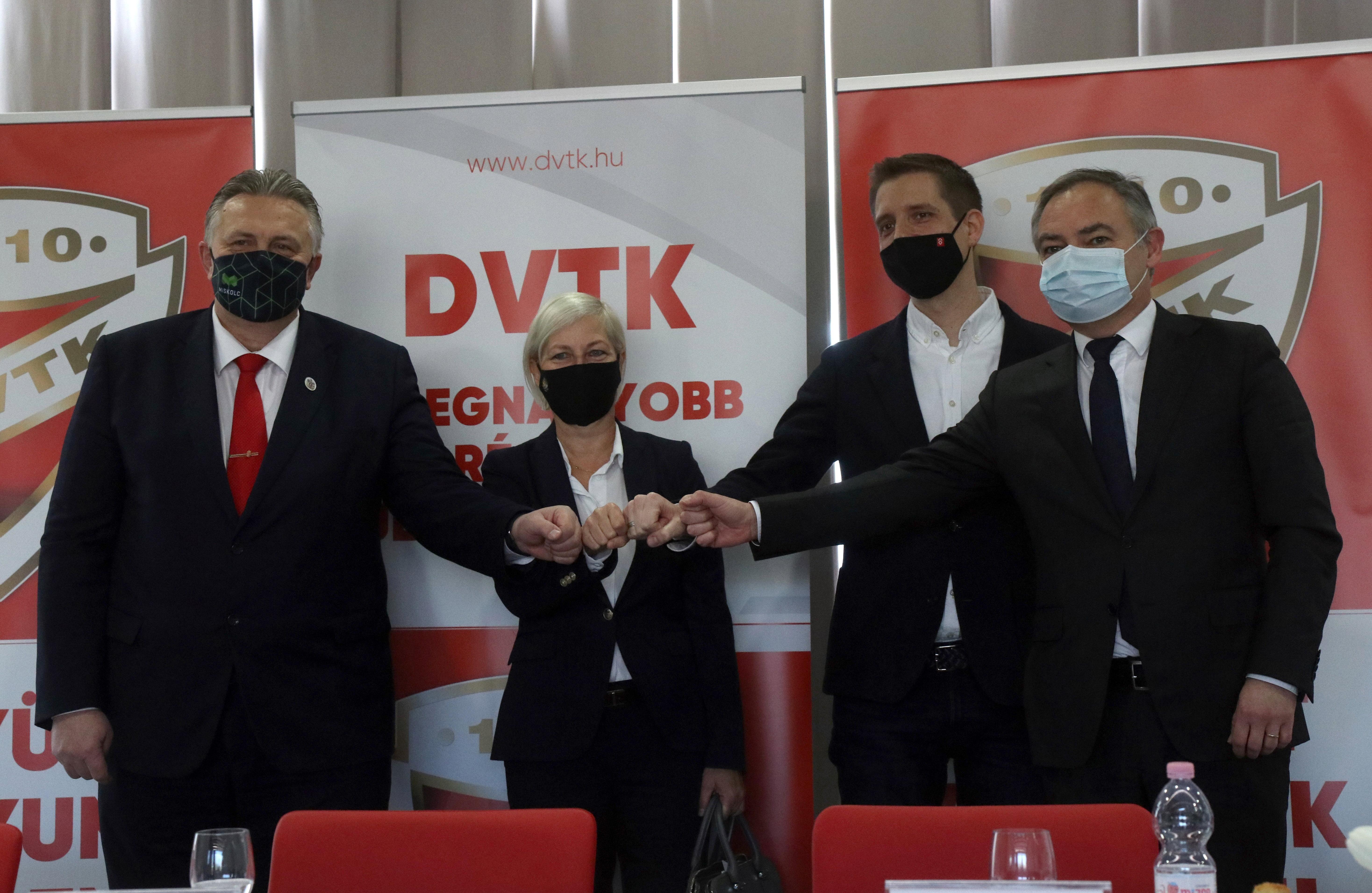 2,3 milliárd forintot ad a kormány a DVTK-nak