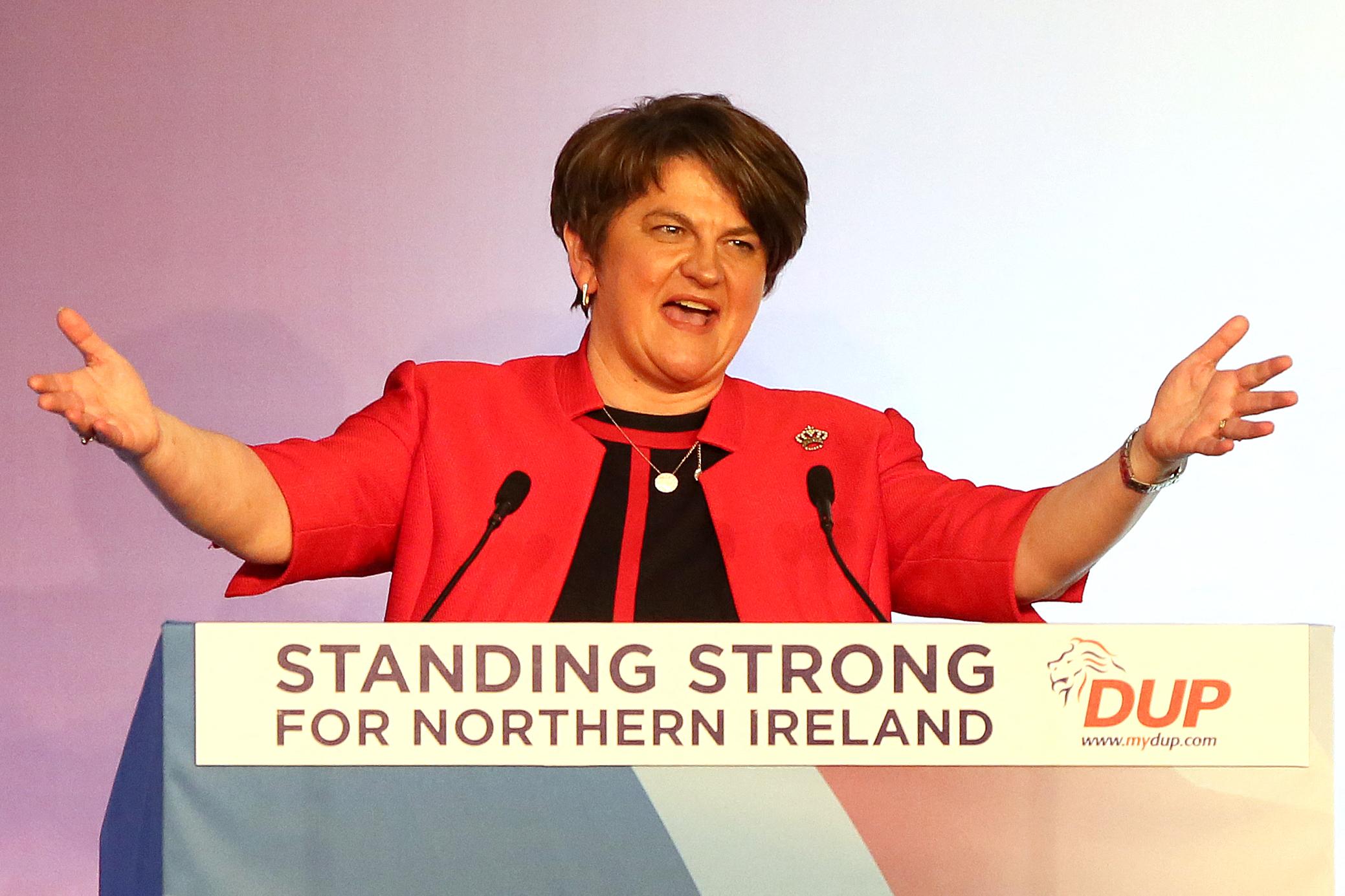 Lemond az észak-ír miniszterelnök