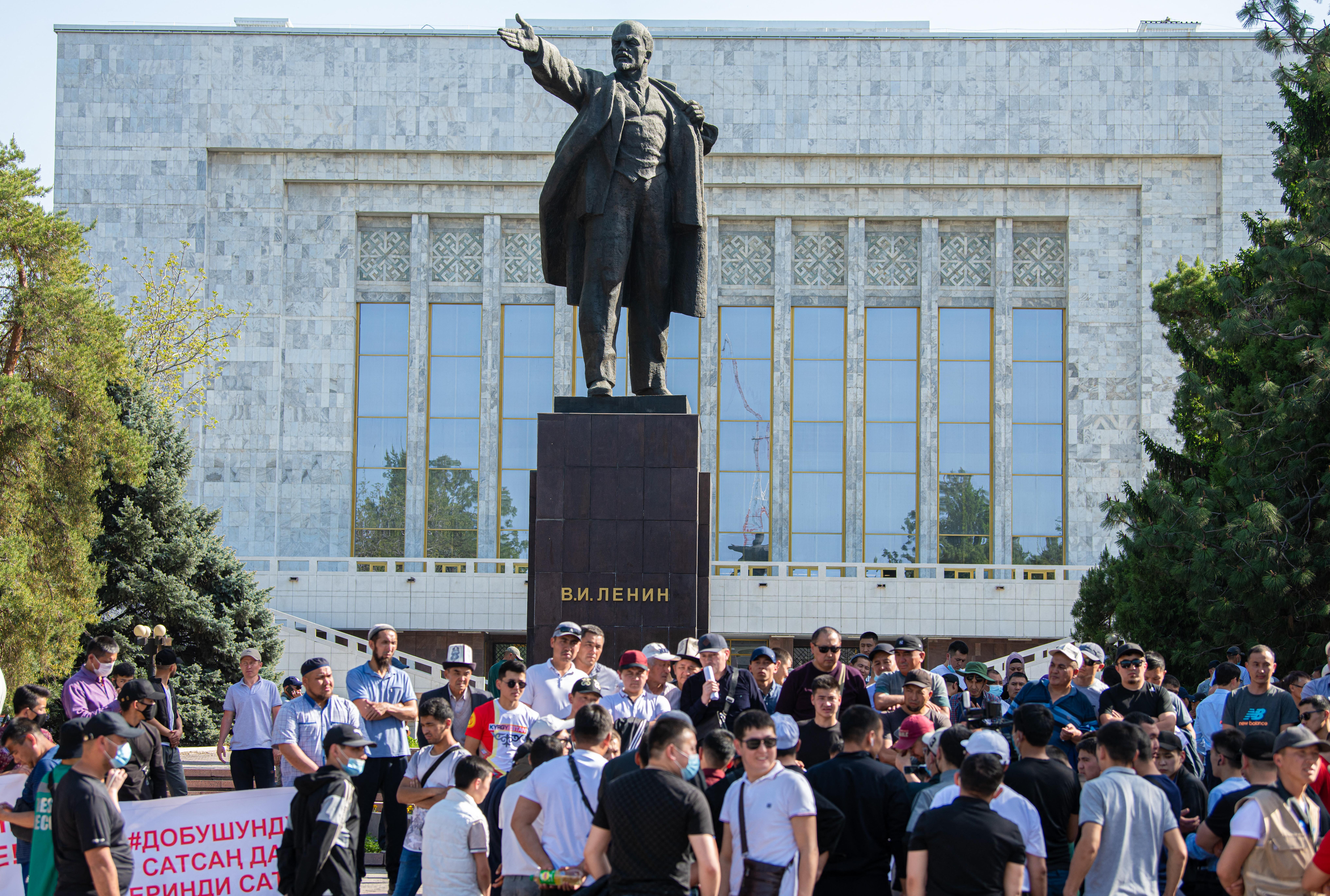 Tűzszünetben állapodott meg a kirgiz és a tádzsik külügyminiszter