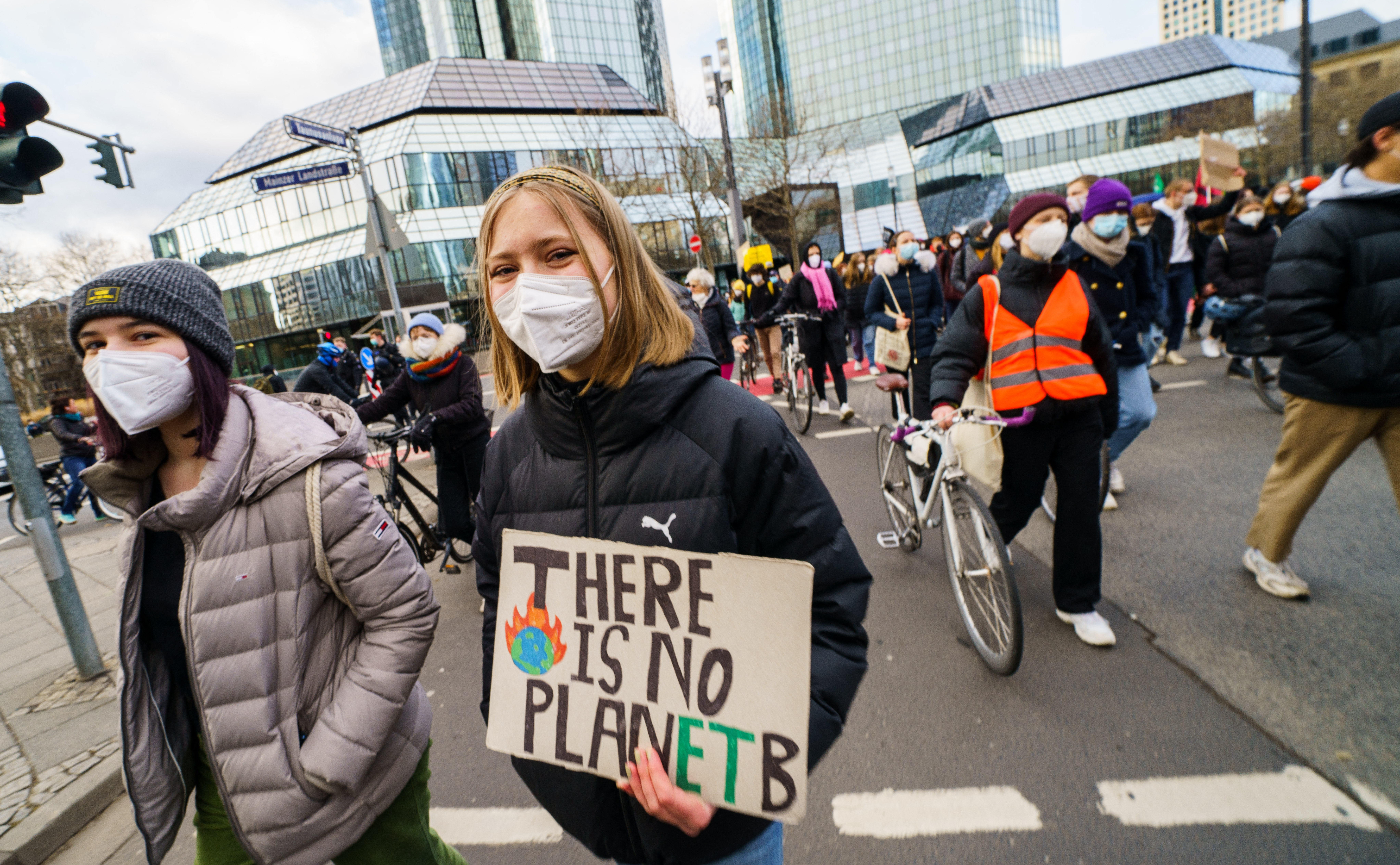 Pert nyertek a német kormánnyal szemben a klímaaktivisták, szigorítanak a klímatörvényen