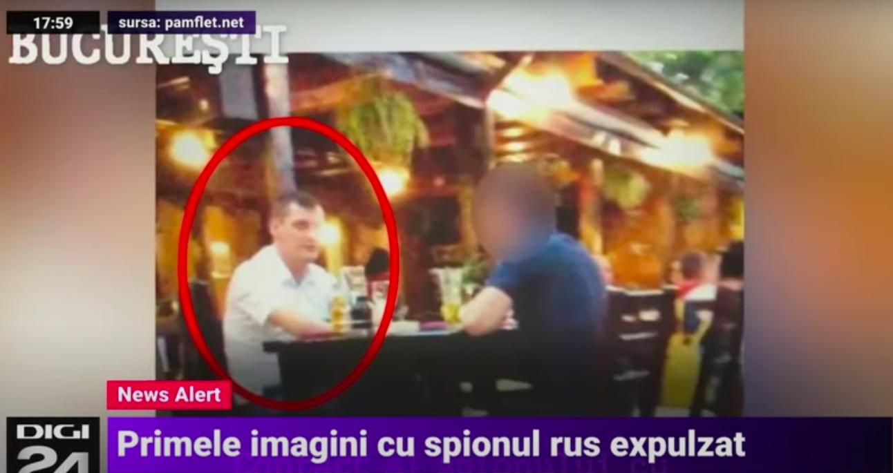 Közzétettek egy videót, amin a Romániából kiutasított orosz diplomata állítólag politikusokat próbál beszervezni