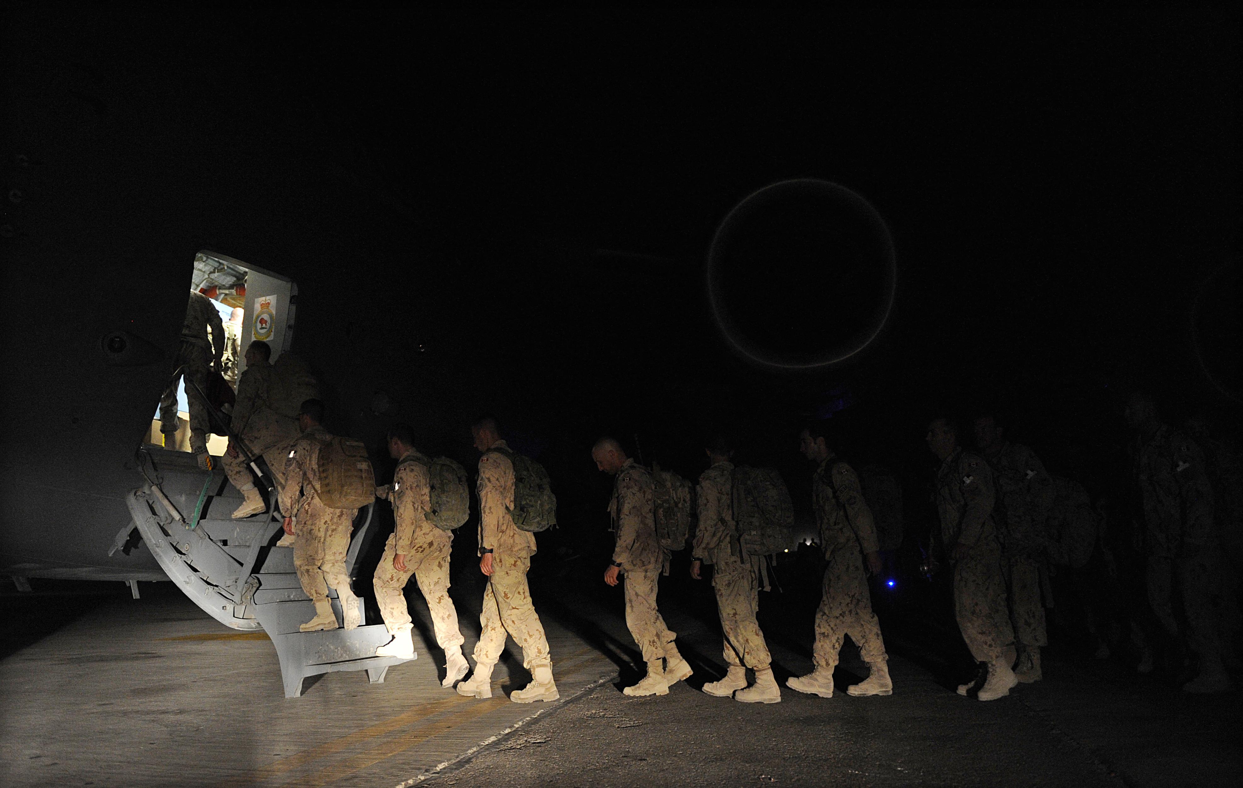 Az Egyesült Államok és a NATO csapatai hivatalosan is megkezdik a kivonulást Afganisztánból