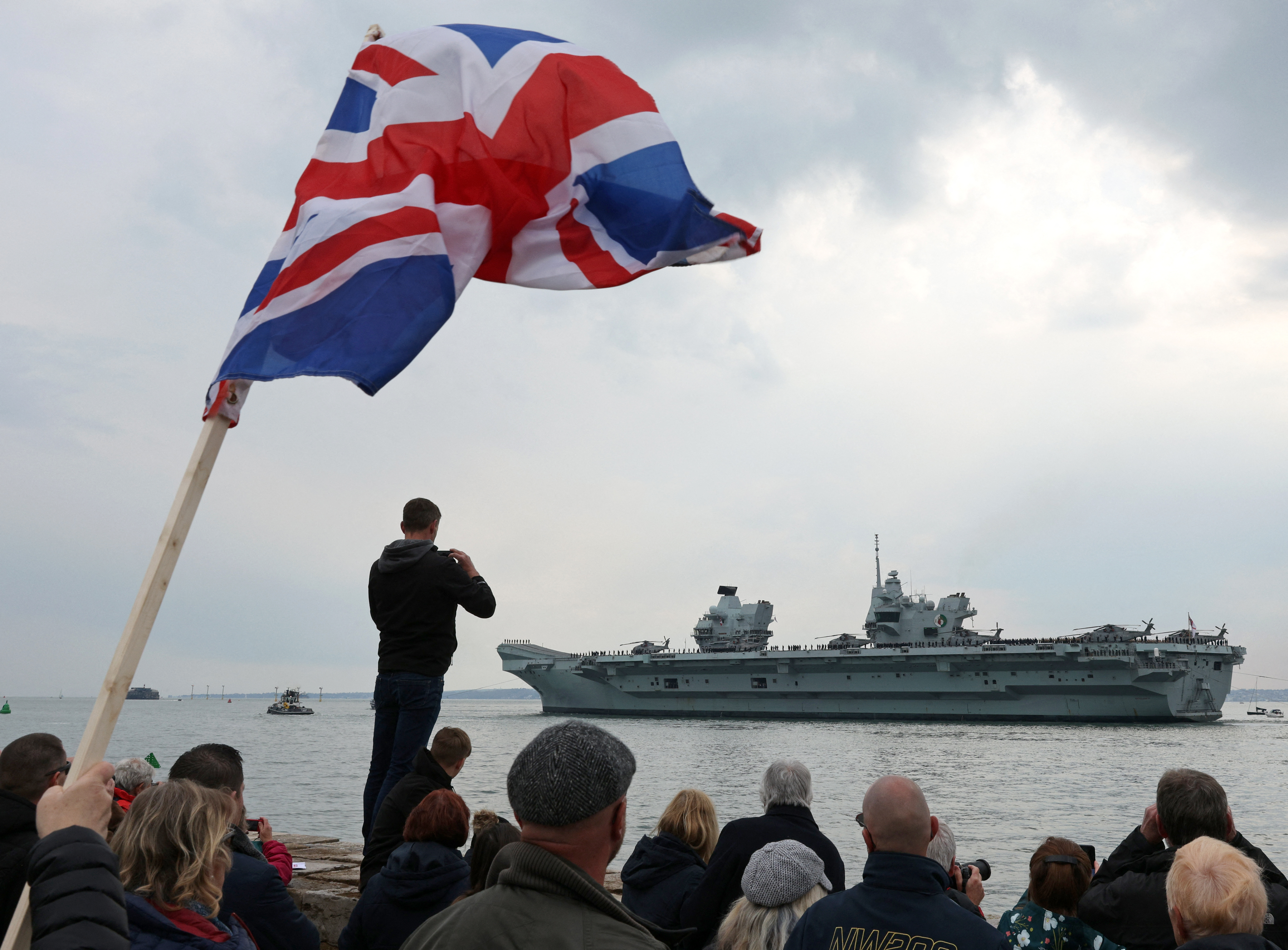 Franciaország nem tudja magát túltenni a tengeralattjáró-ügyön: visszahívta a washingtoni és a canberrai nagykövetét