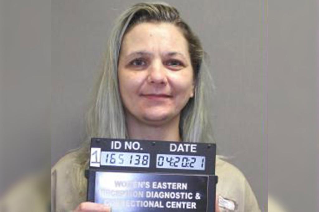 Tíz évre ítélték a börtönbe a vaginájában pisztolyt csempésző asszonyt