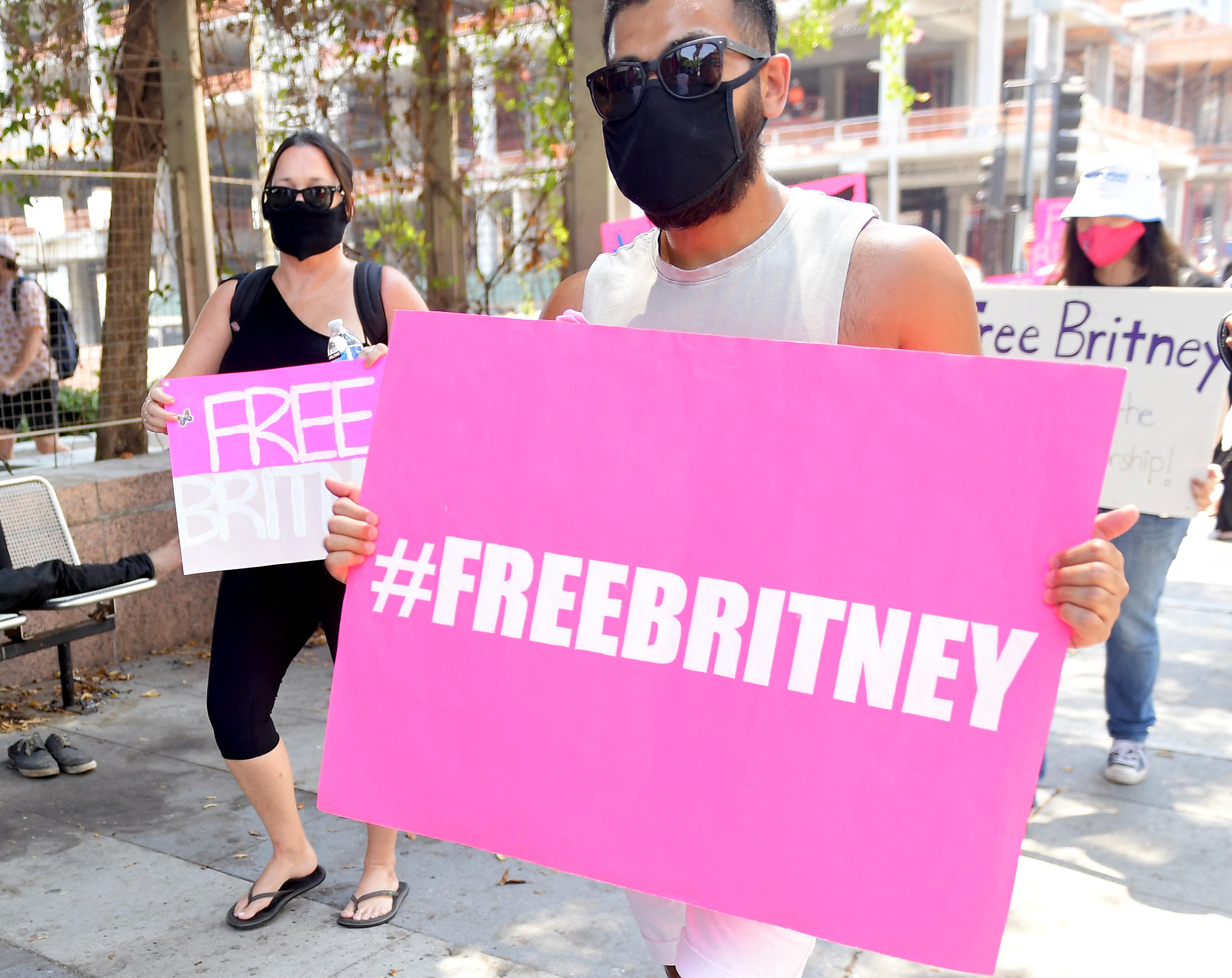 Britney Spears apja állítólag csak milliókért cserébe hajlandó lemondani a gondnokságról
