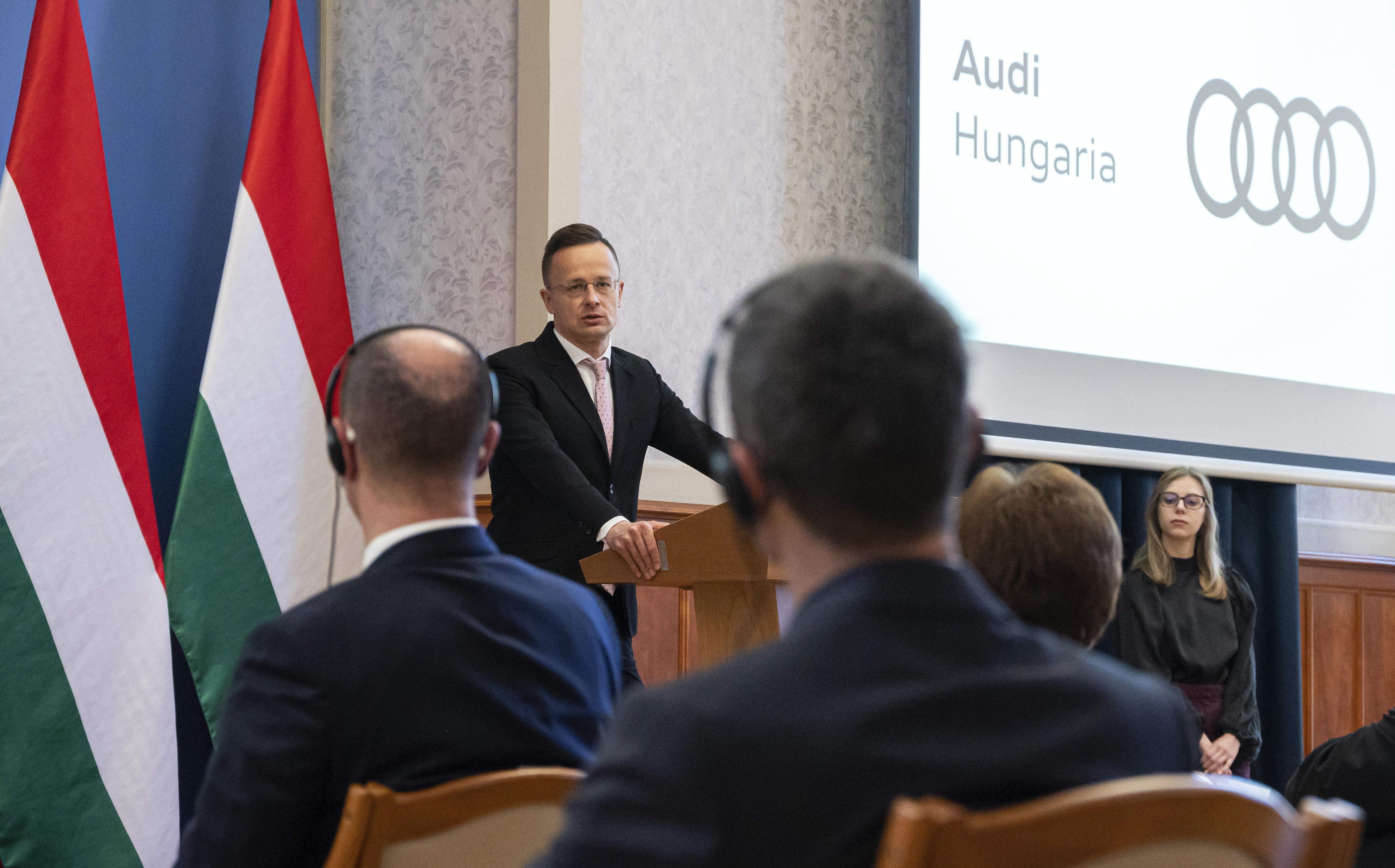 Szijjártó Péter: Európában Magyarország adta a legsikeresebb egészségügyi és gazdasági választ a járványra
