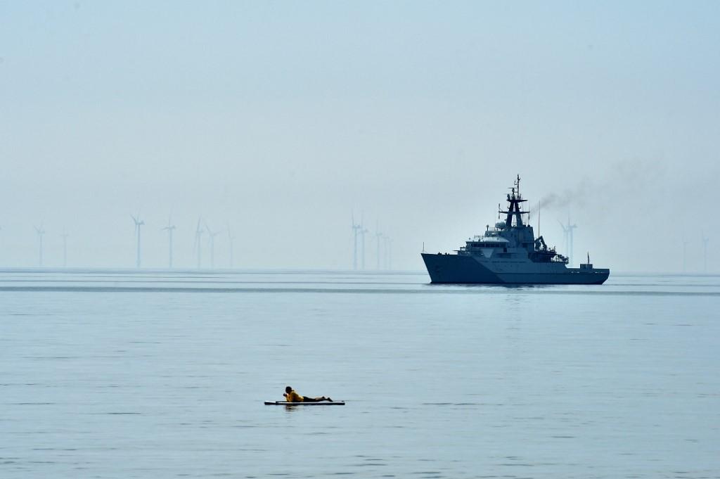 Két hadihajót indított el a francia halászok ellen Nagy-Britannia