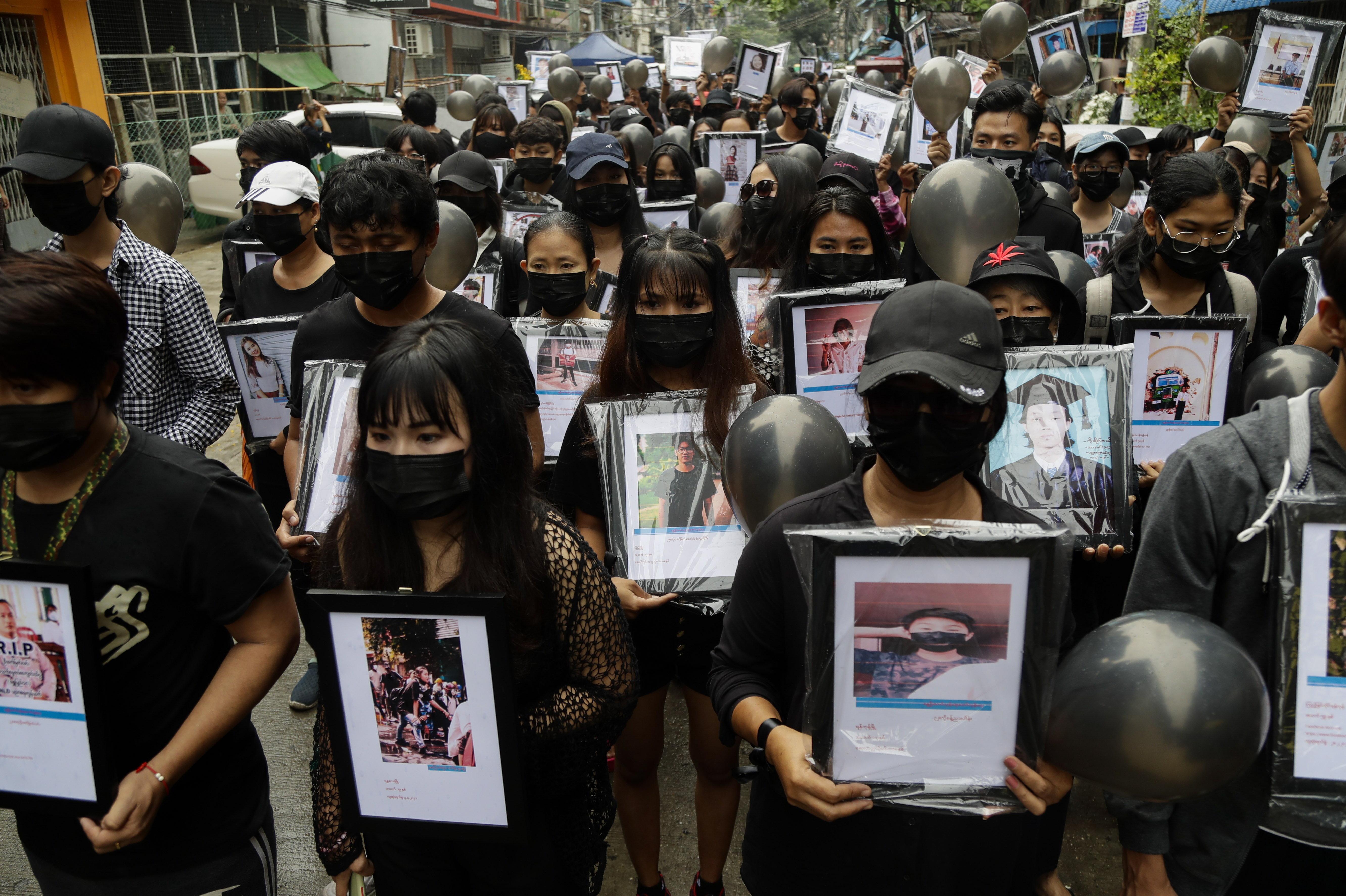 Szombaton elvitték kihallgatni a mianmari költőt, vasárnap reggelre a belső szervei nélkül kapta vissza a hulláját a család