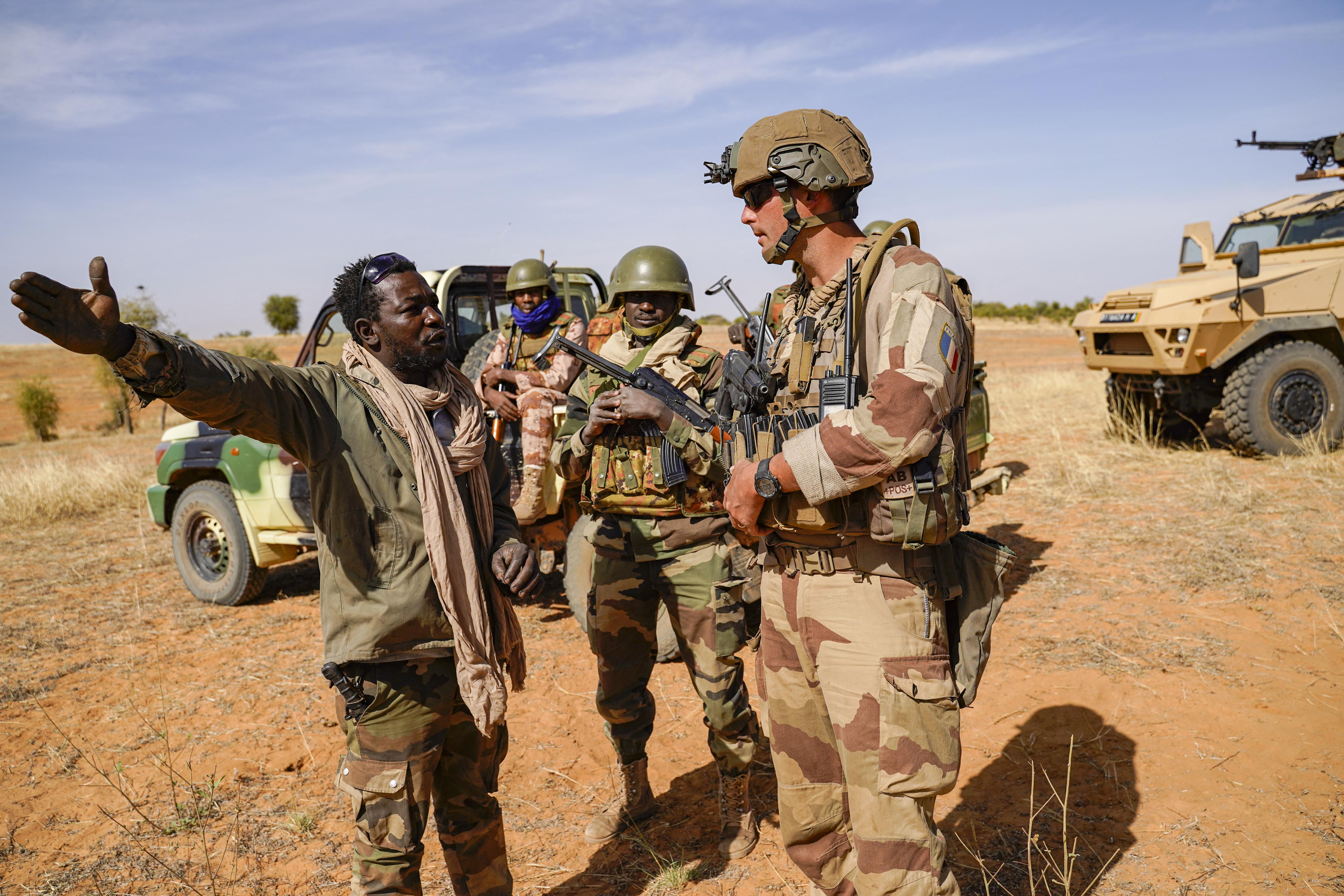 Franciaország kivonul Maliból, ha a katonai kormány tényleg orosz zsoldosokat fogad fel