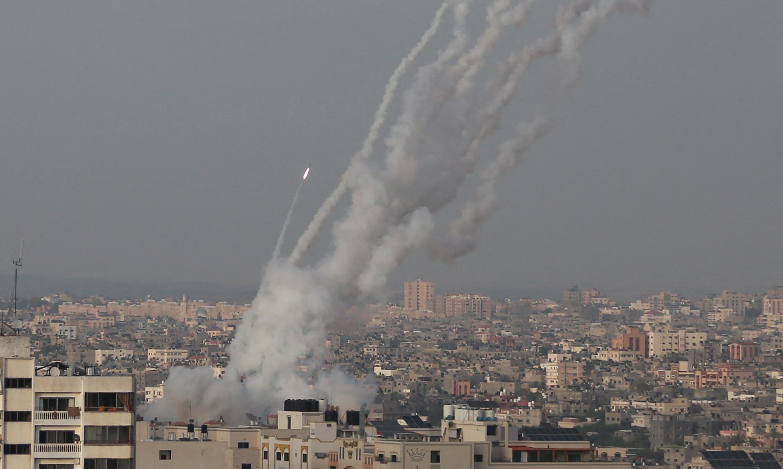 Izrael légicsapással reagált a Hamász rakétáira