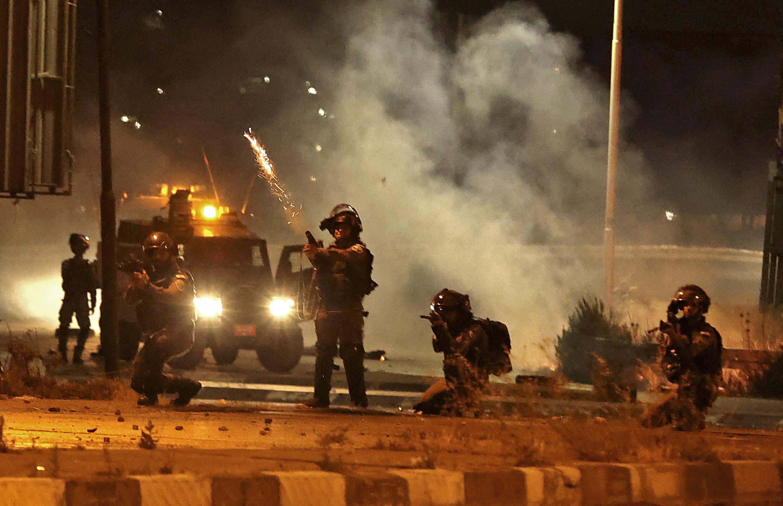 Kövekről és könnygázgránátokról rakétákra váltottak a palesztinok és az izraeliek
