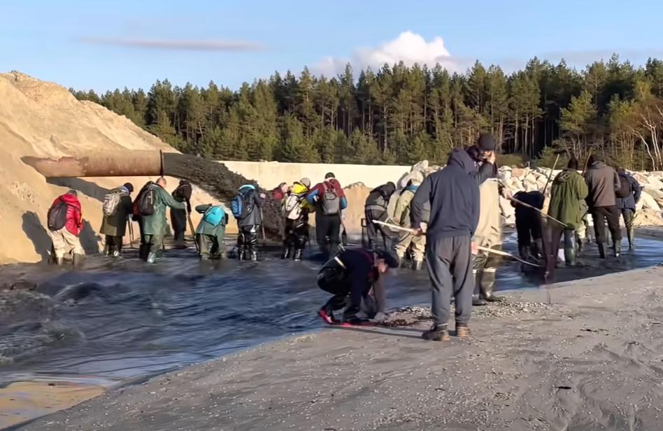 Ellepték a borostyánvadászok egy lengyel csatorna építkezését