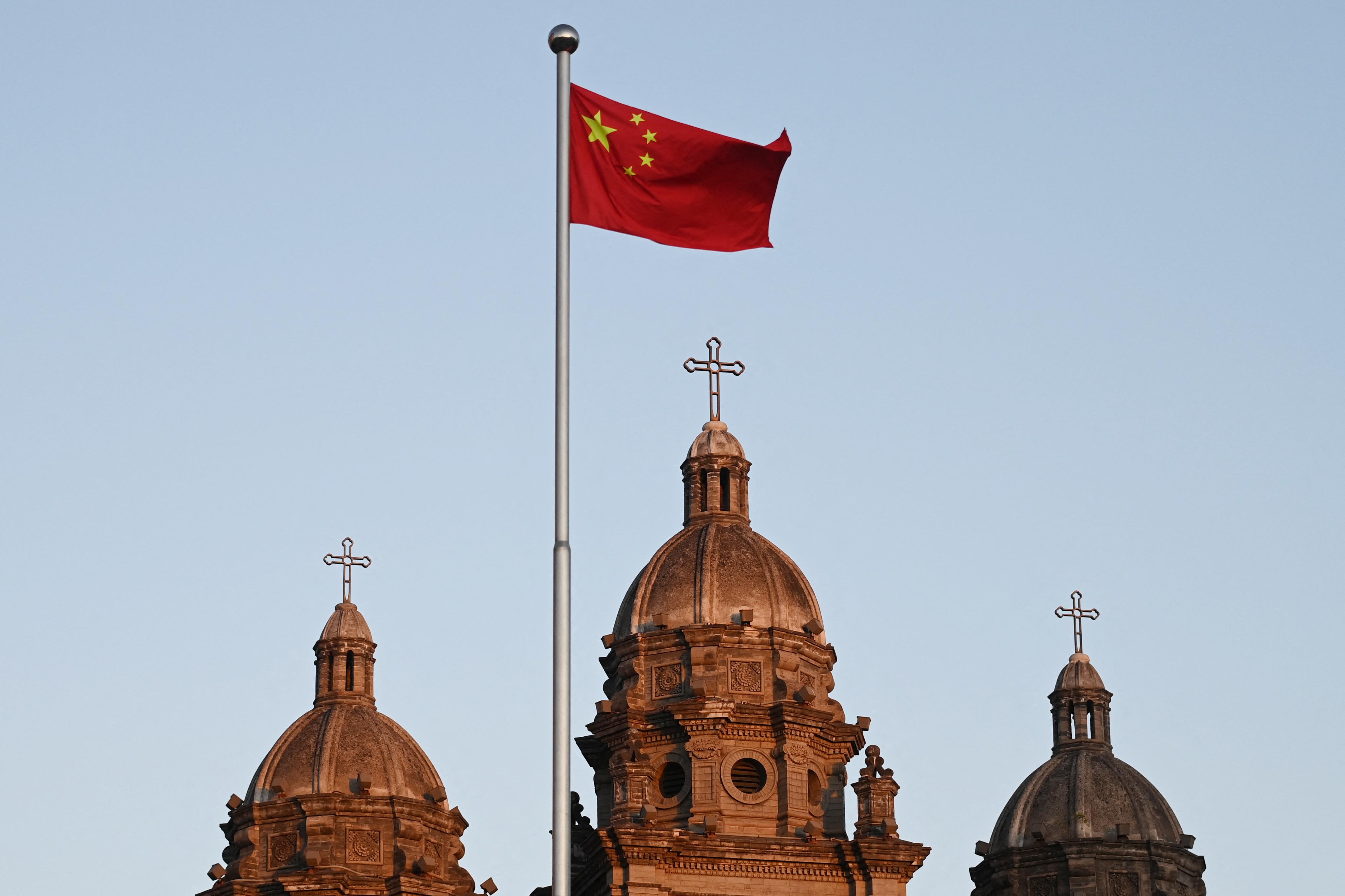 A vallásszabadság korlátozása miatt ítélte el az amerikai külügy Kínát
