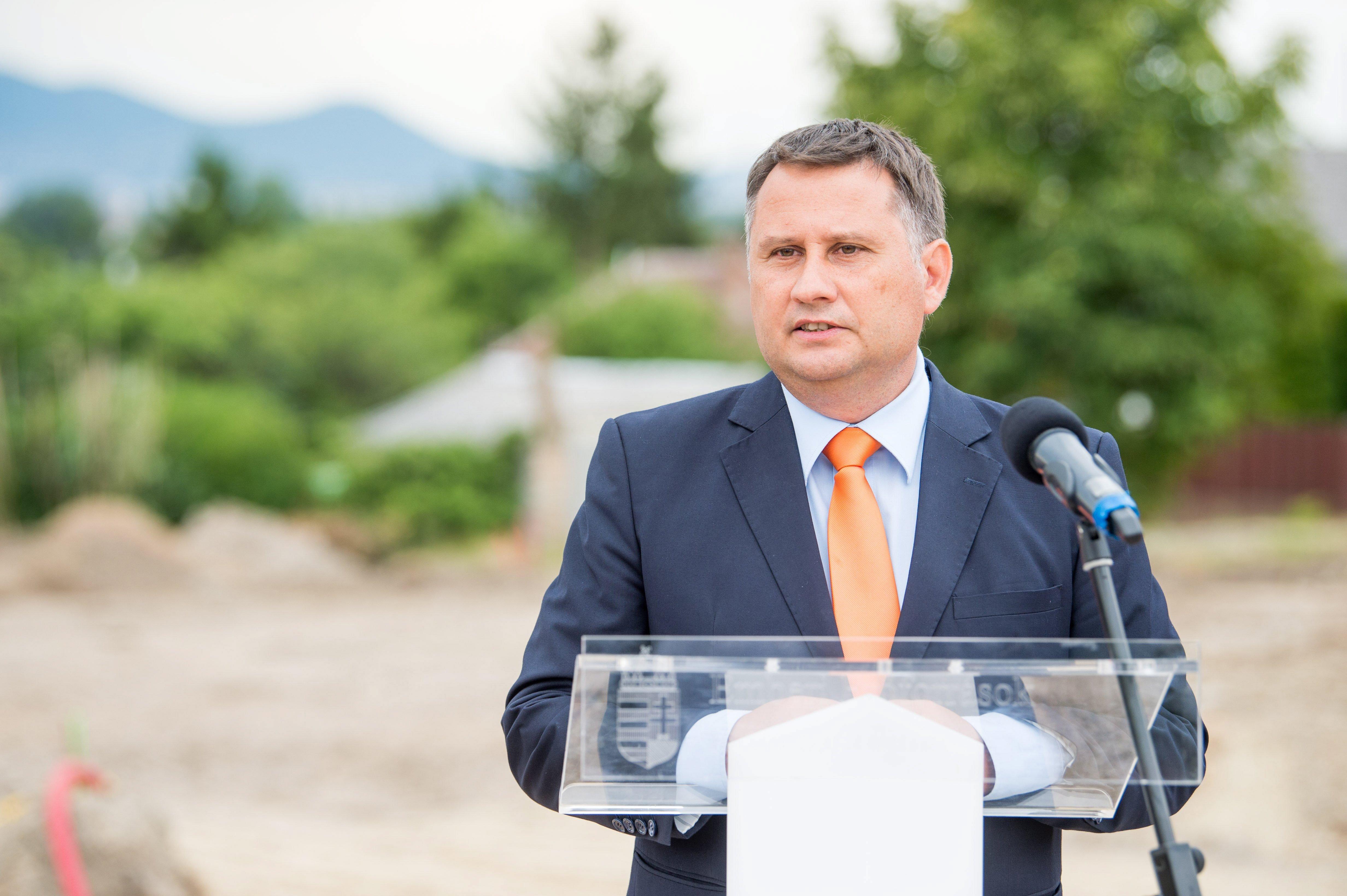 Marhaságnak tartja a lakásprivatizációs javaslatot a XVI. kerület fideszes polgármestere