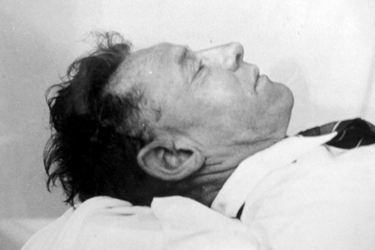 """Kiássák minden idők egyik legrejtélyesebb holttestét, az ausztrál tengerparton 70 éve megtalált """"somertoni férfiét"""""""
