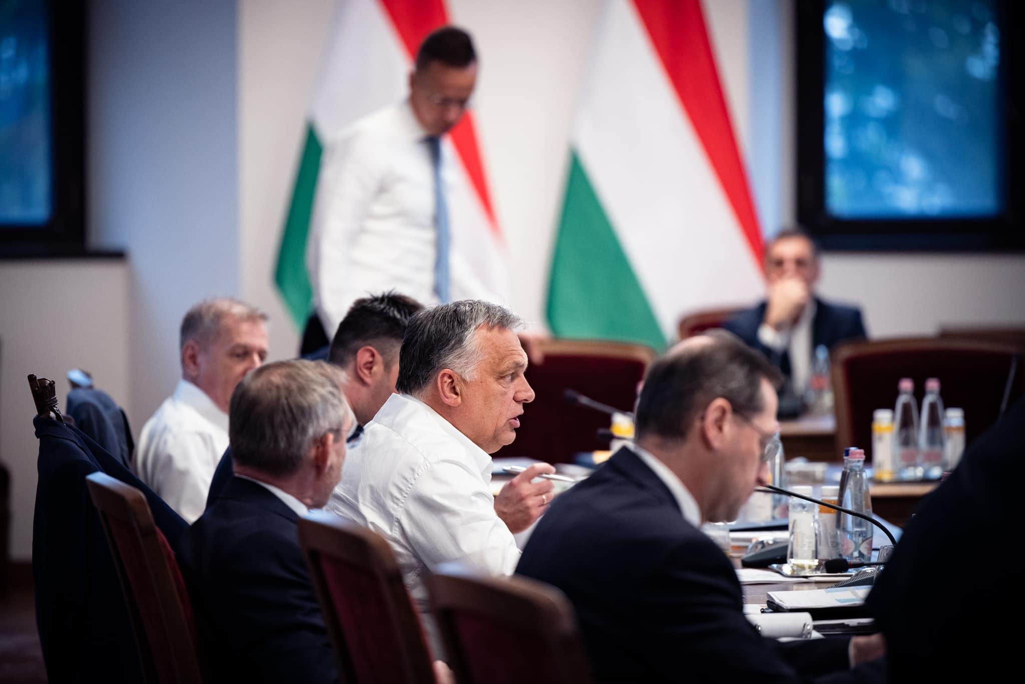 Orbán jelenti, hogy a kormánytagok több mint fele kínai vakcinát kapott