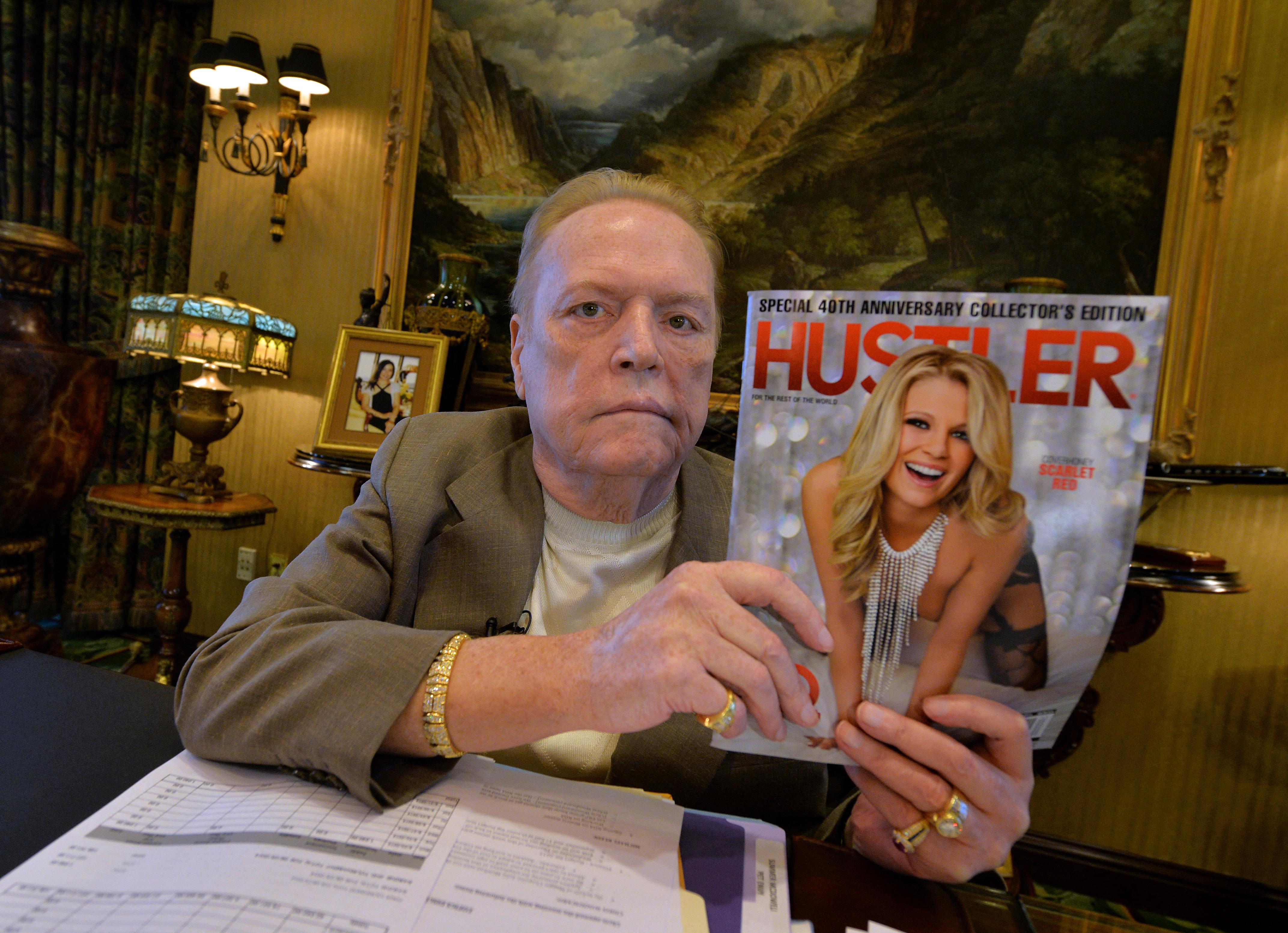 Megfenyegette Ronald Reagant, megölette volna Hugh Hefnert, megmentette viszont aDeLorean tervezőjét