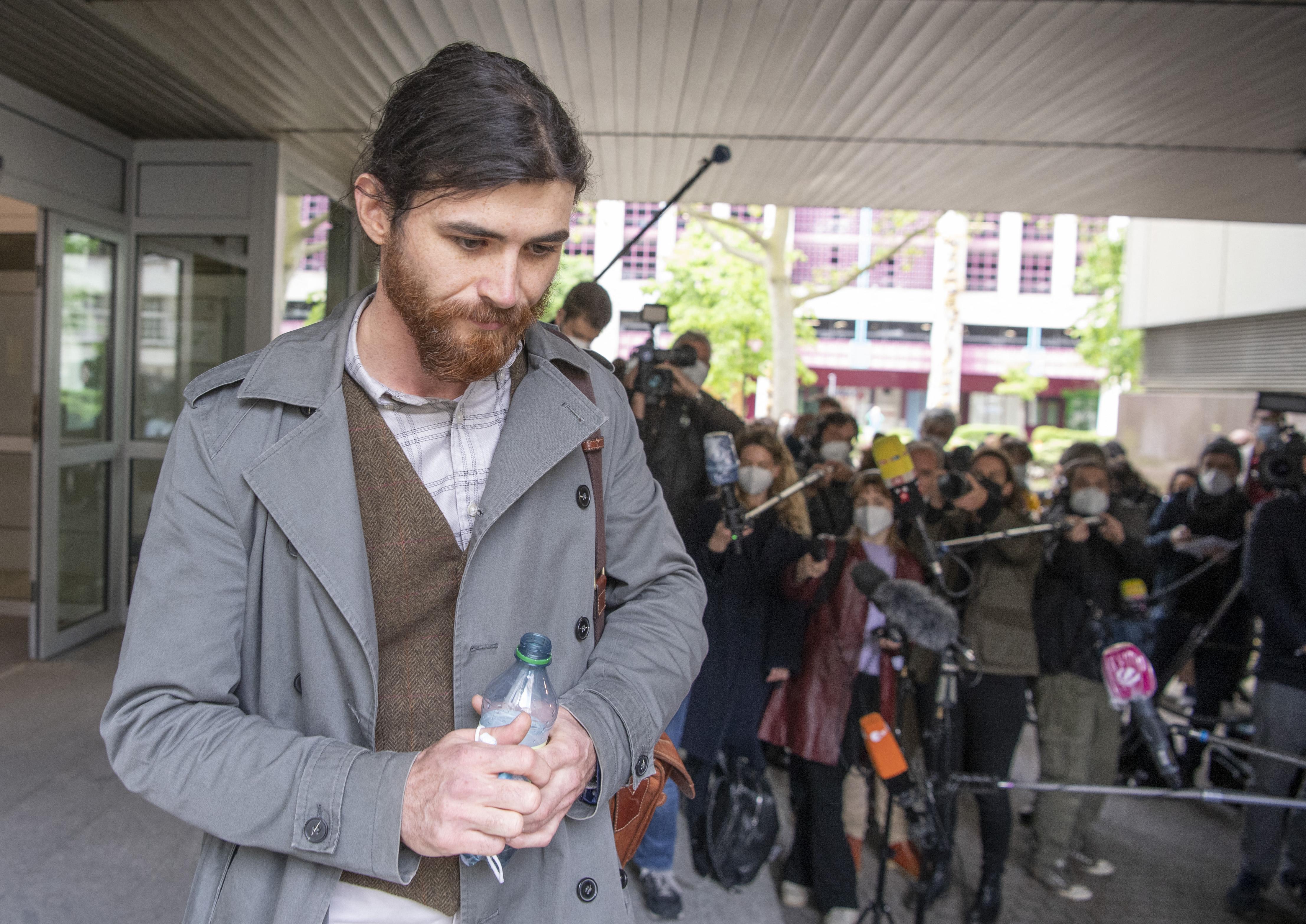 Bíróság elé állították a német hadnagyot, aki szír menekültnek adta ki magát