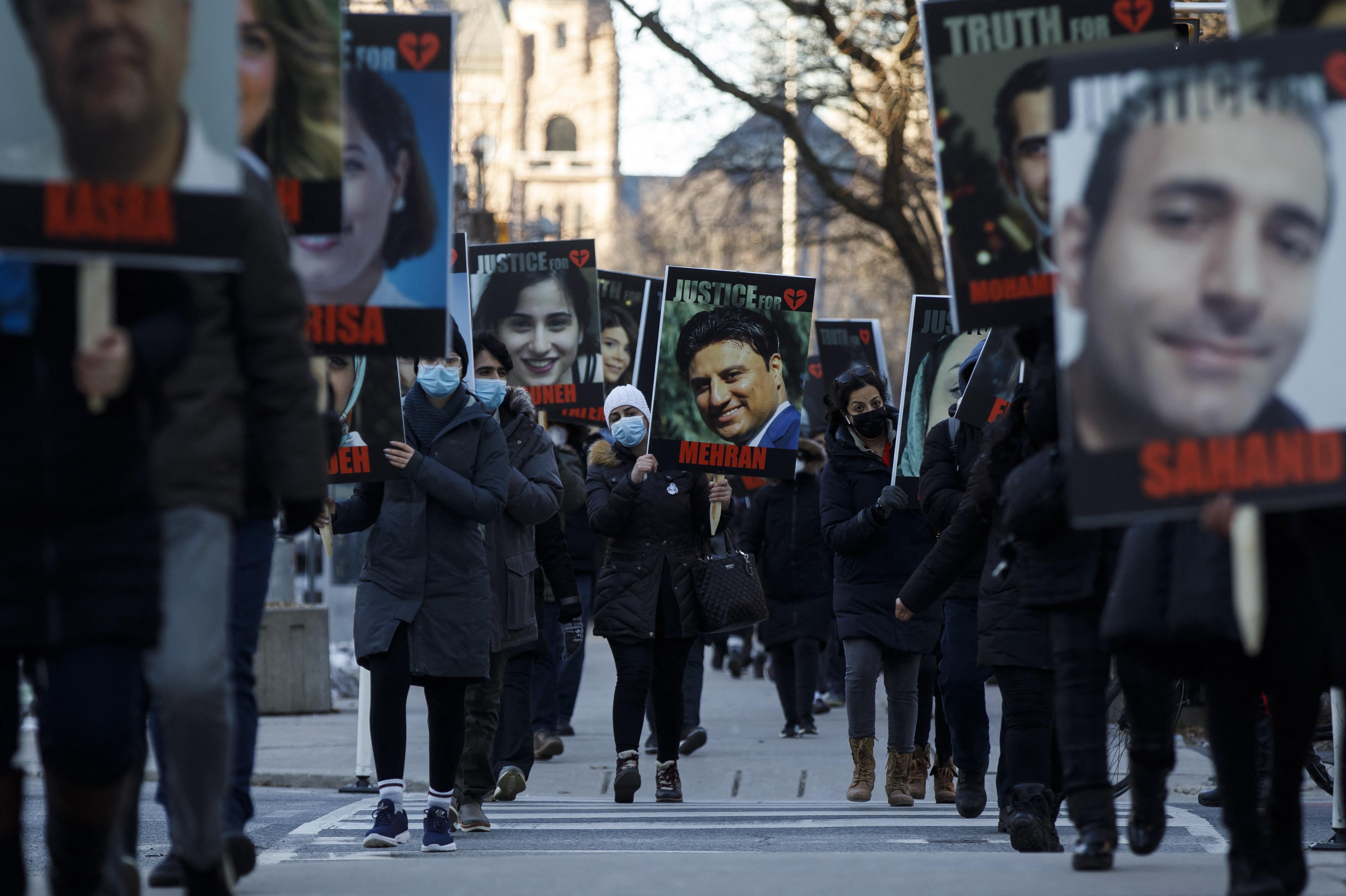 1,5 milliárd dollárt kártérítést követelnek Irántól a Teheránban lelőtt ukrán repülőgép kanadai áldozatainak hozzátartozói