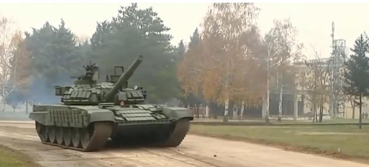 Szerbia tankokat kapott Oroszországtól