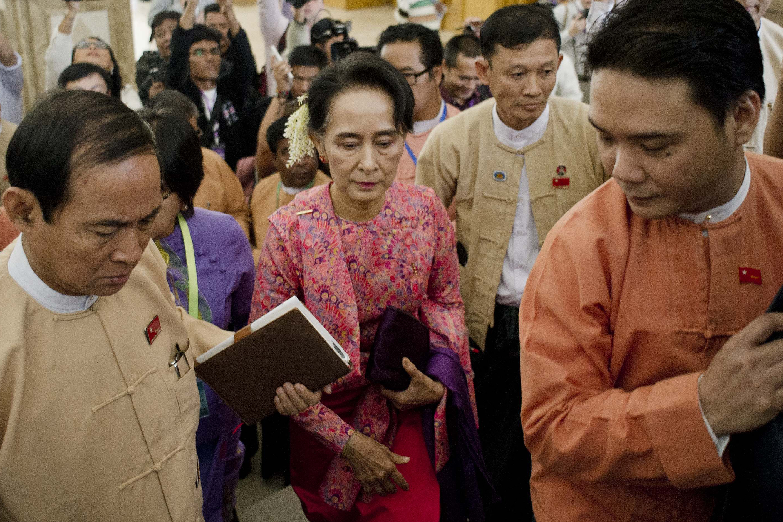 Először állt személyesen bíróság elé Aung Szan Szú Csí