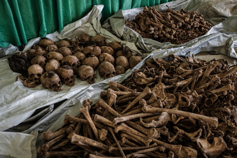 Egy kórház építésekor 900 fős tömegsírra bukkantak Ruandában