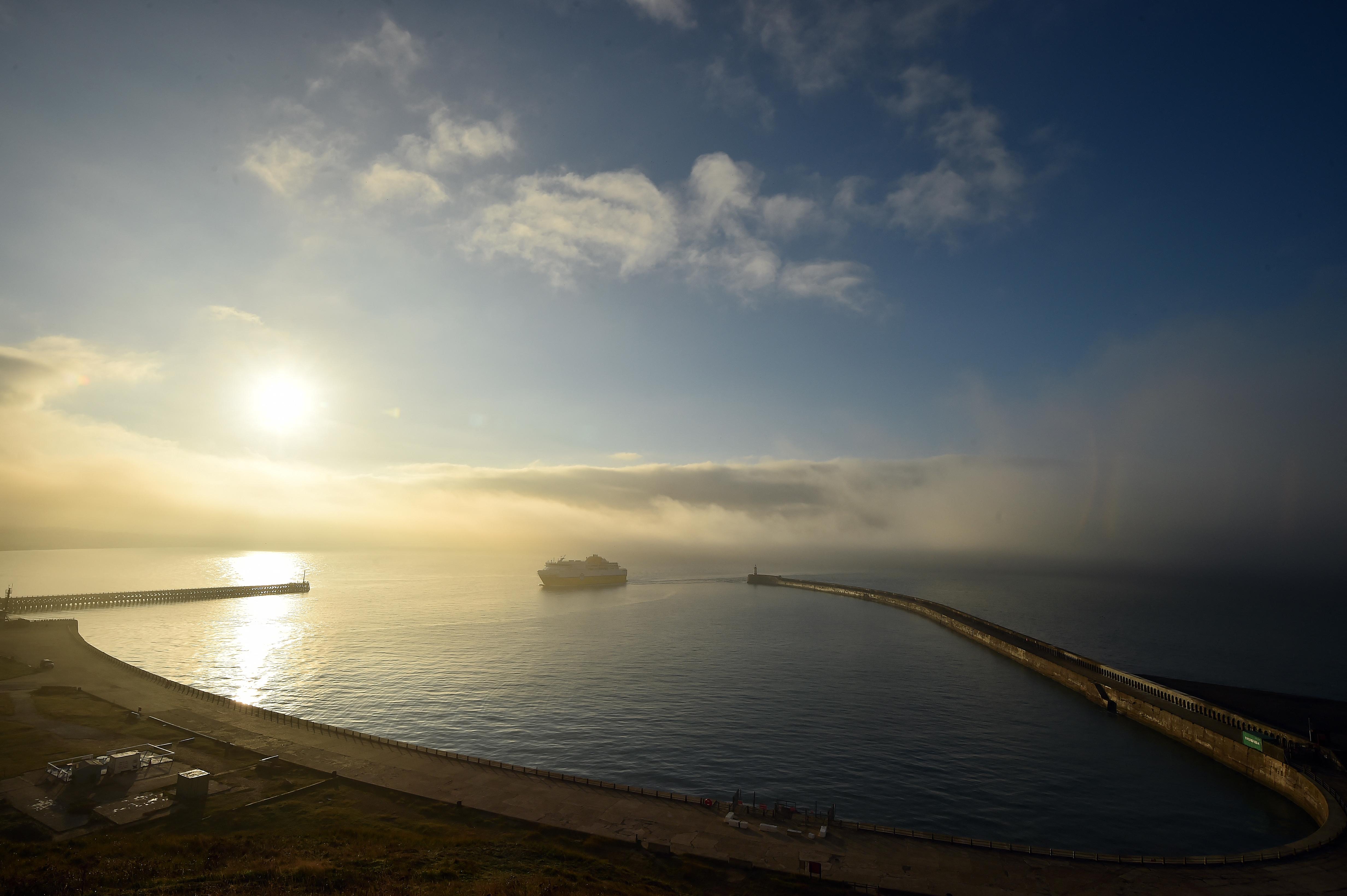 Járókelők közel 1 tonna kokaint találtak Hastings és Newhaven strandjain