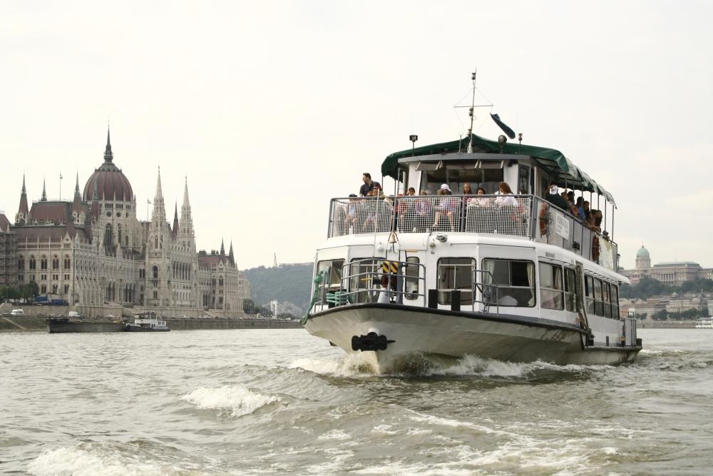 Idén nyáron nem lesznek menetrendszerinti BKV-hajók a Dunán