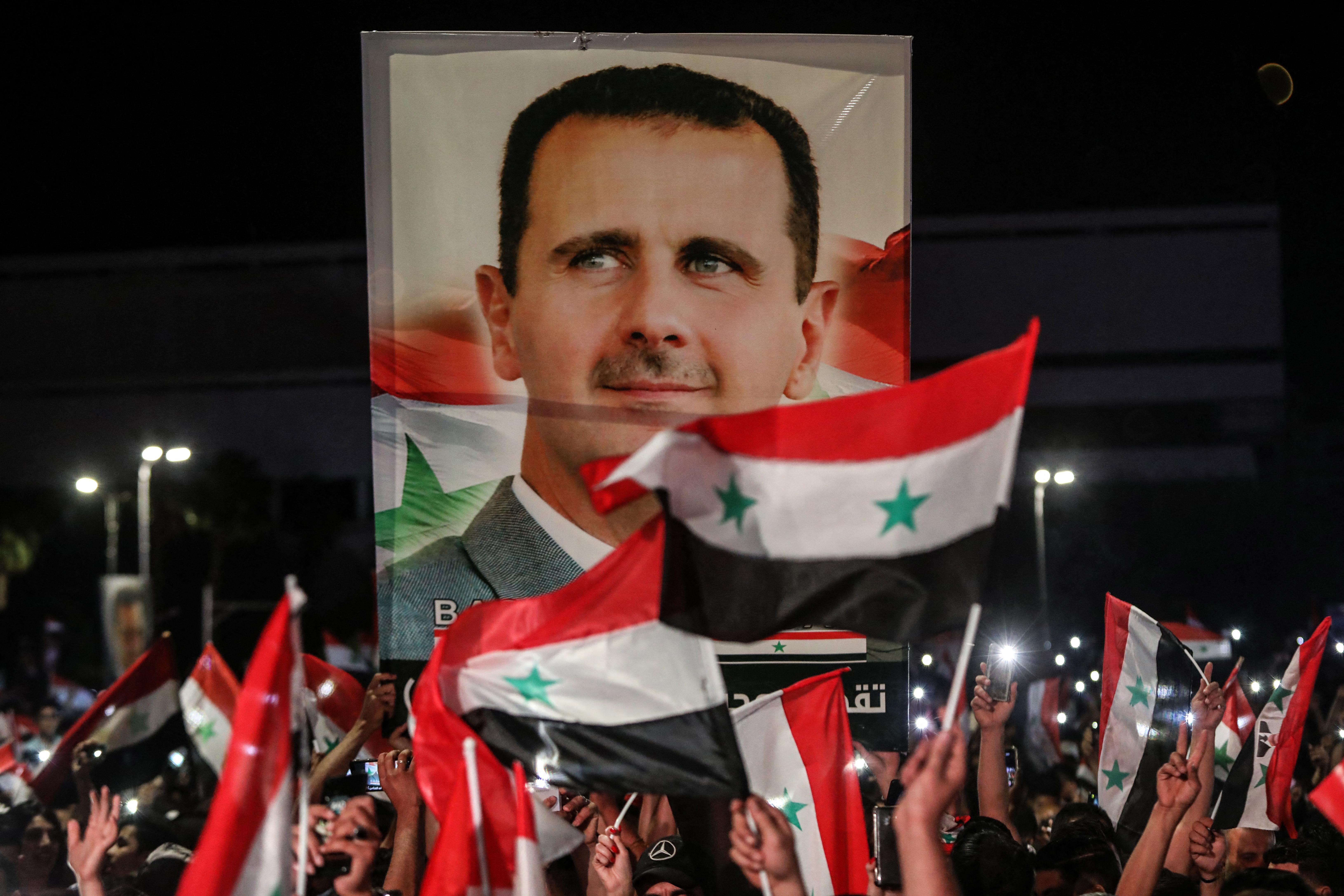 Elsöprő többséggel nyert Bassár el-Aszad a szíriai rezsim ellenőrizte területeken tartott elnökválasztáson