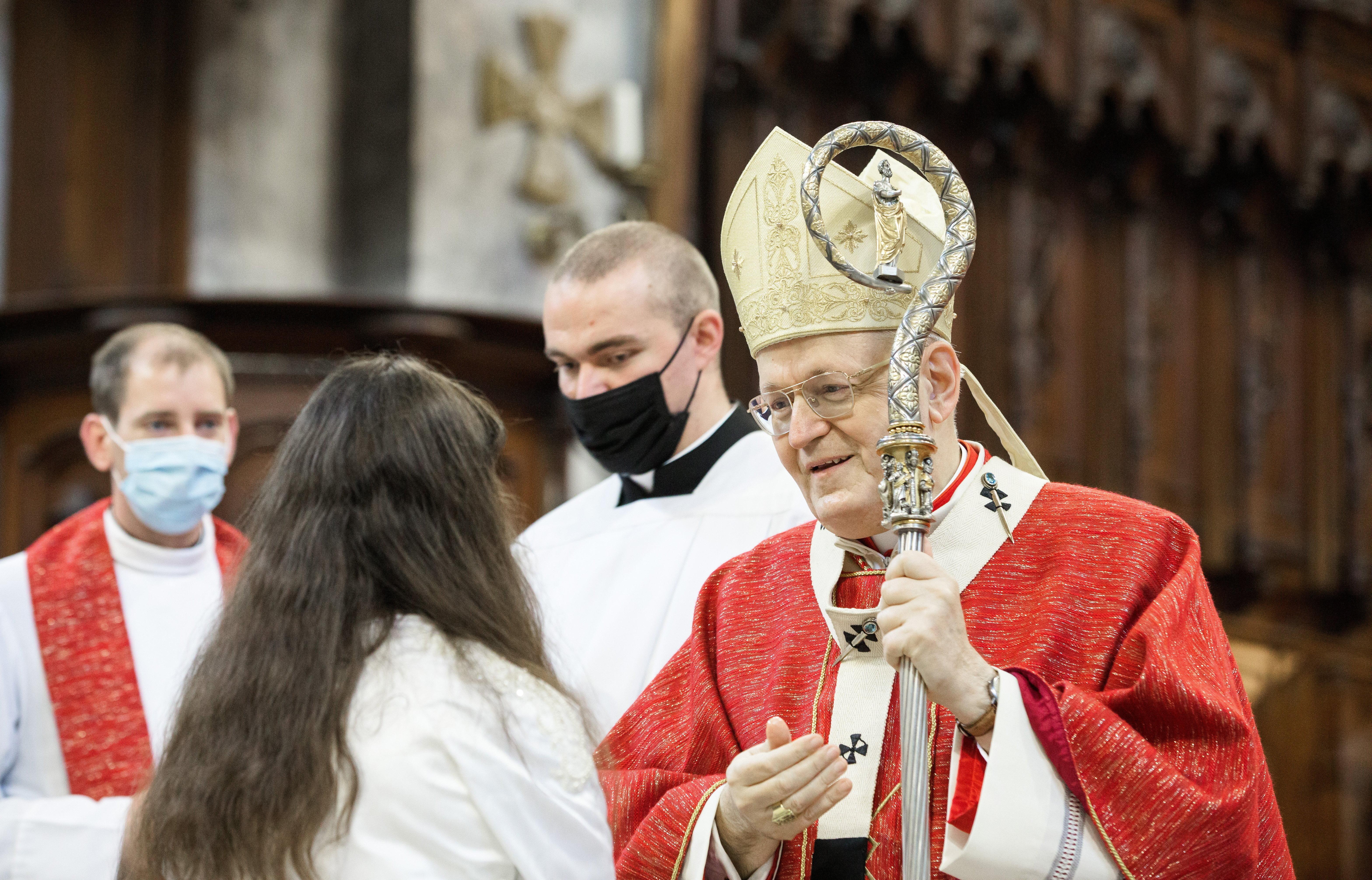 A katolikus püspökök ismét tettek gesztusokat az áldozatok felé, de a visszaélések átfogó vizsgálatáról továbbra sincs szó