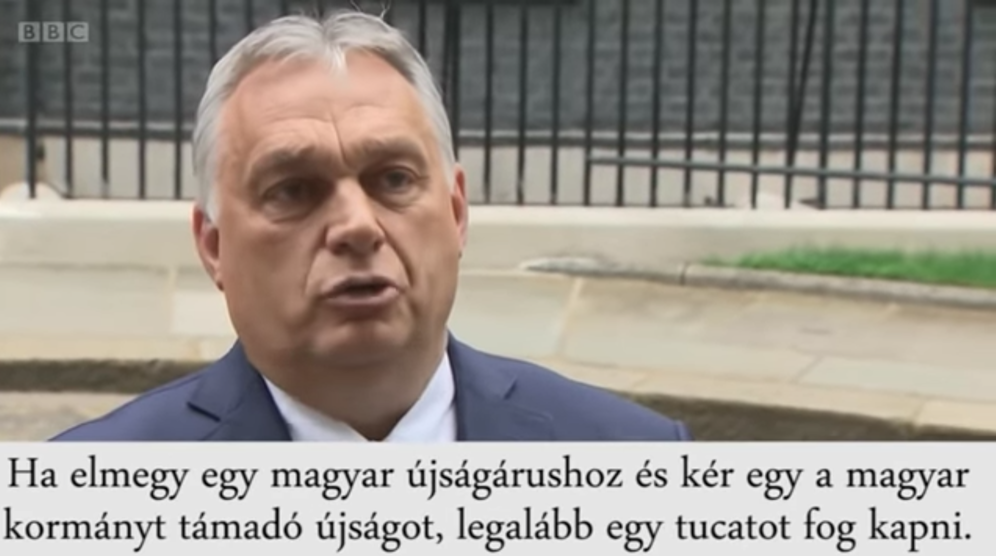 Orbán a brit újságíróknak: Jöjjenek el, nézzék meg, nálunk a sajtó szabad