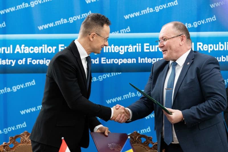 Szijjártó elintézte: Moldova is tárt karokkal várja a magyarokat
