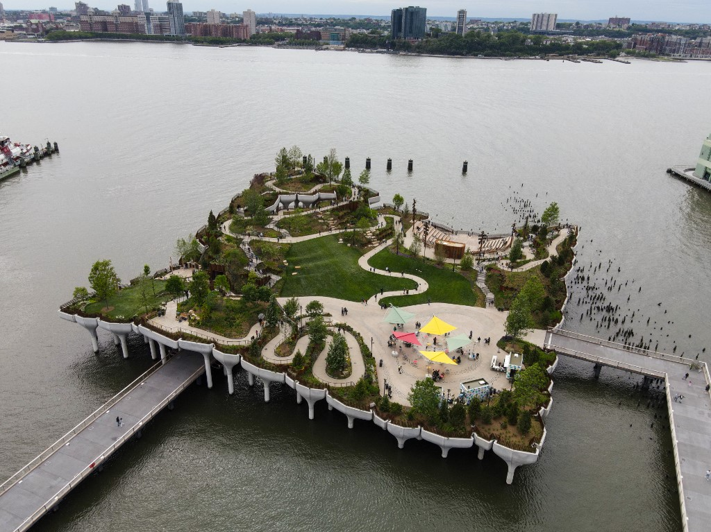 A tévéfilm műfaját feltaláló milliárdos óriási adományából épült fel a világ egyik leglátványosabb parkja New Yorkban